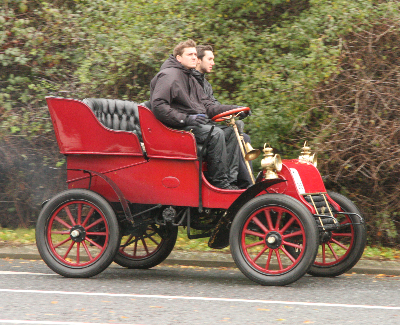 Archivo:Cadillac 1903 Rear Entrance Tonneau Auto on London to ...