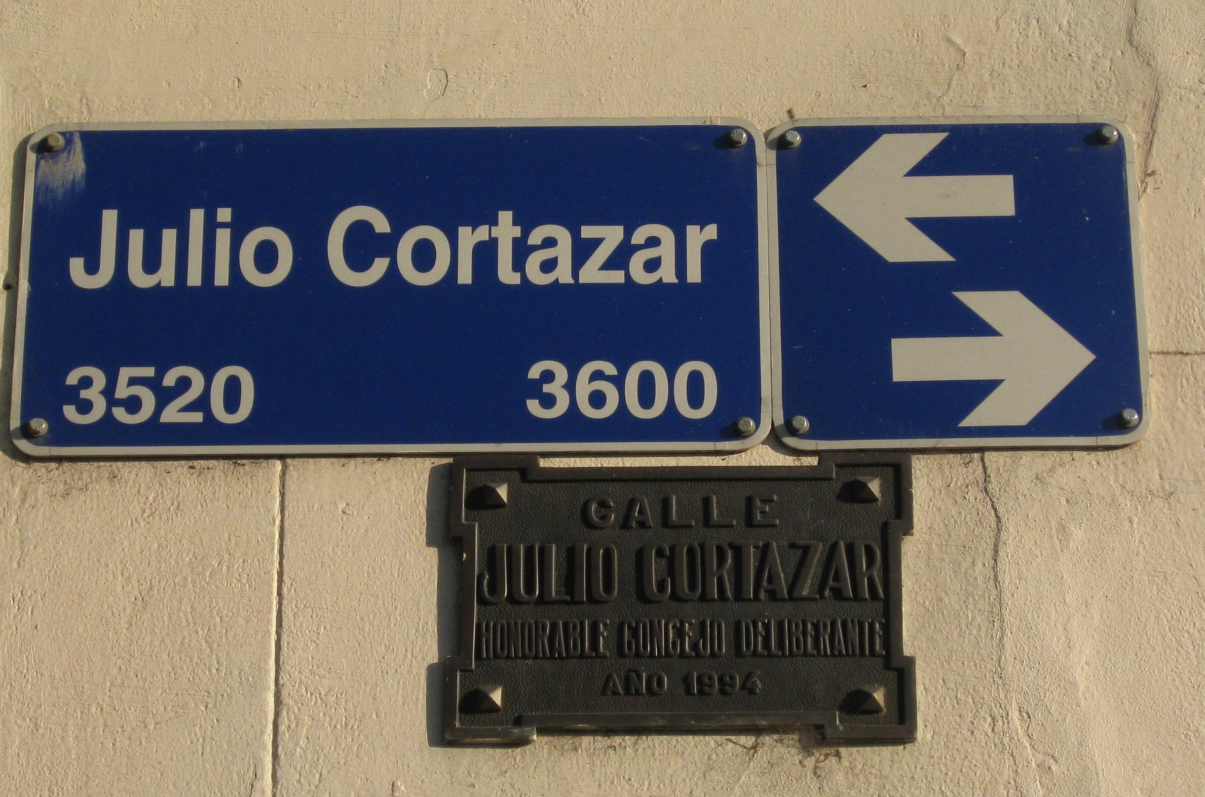 Calle Julio Cortázar en el Barrio Rawson, Buenos Aires