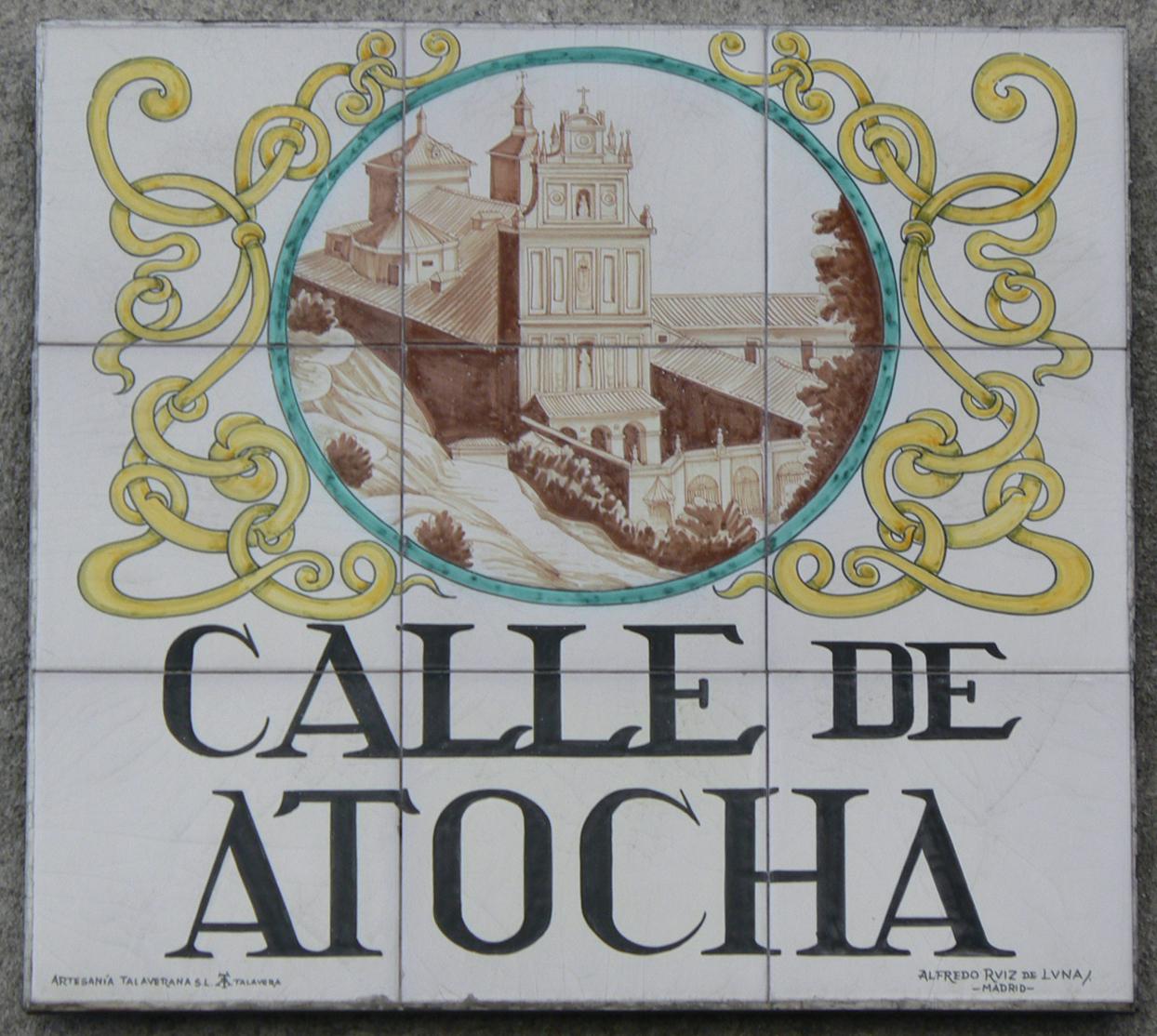 Resultado de imagen de azulejos calles de madrid atocha