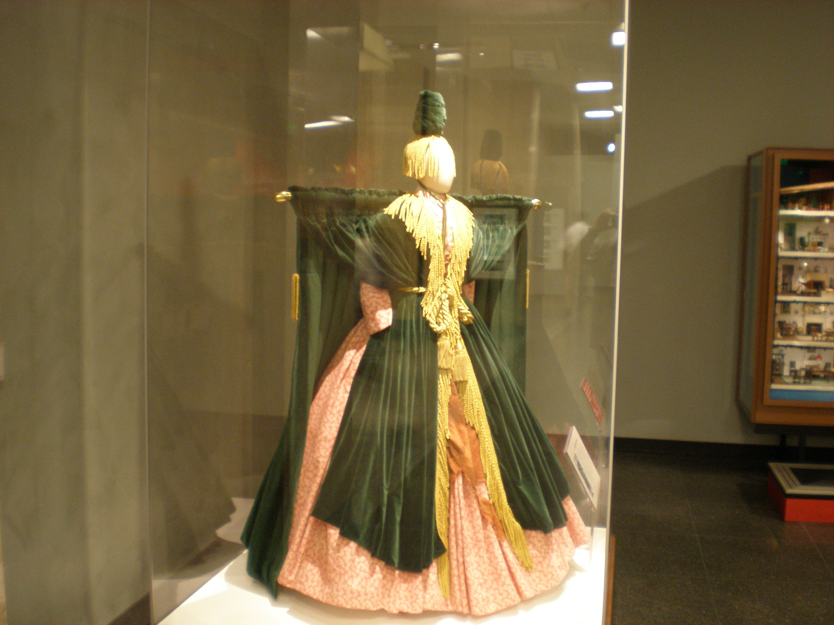 Description Curtain Dress.JPG