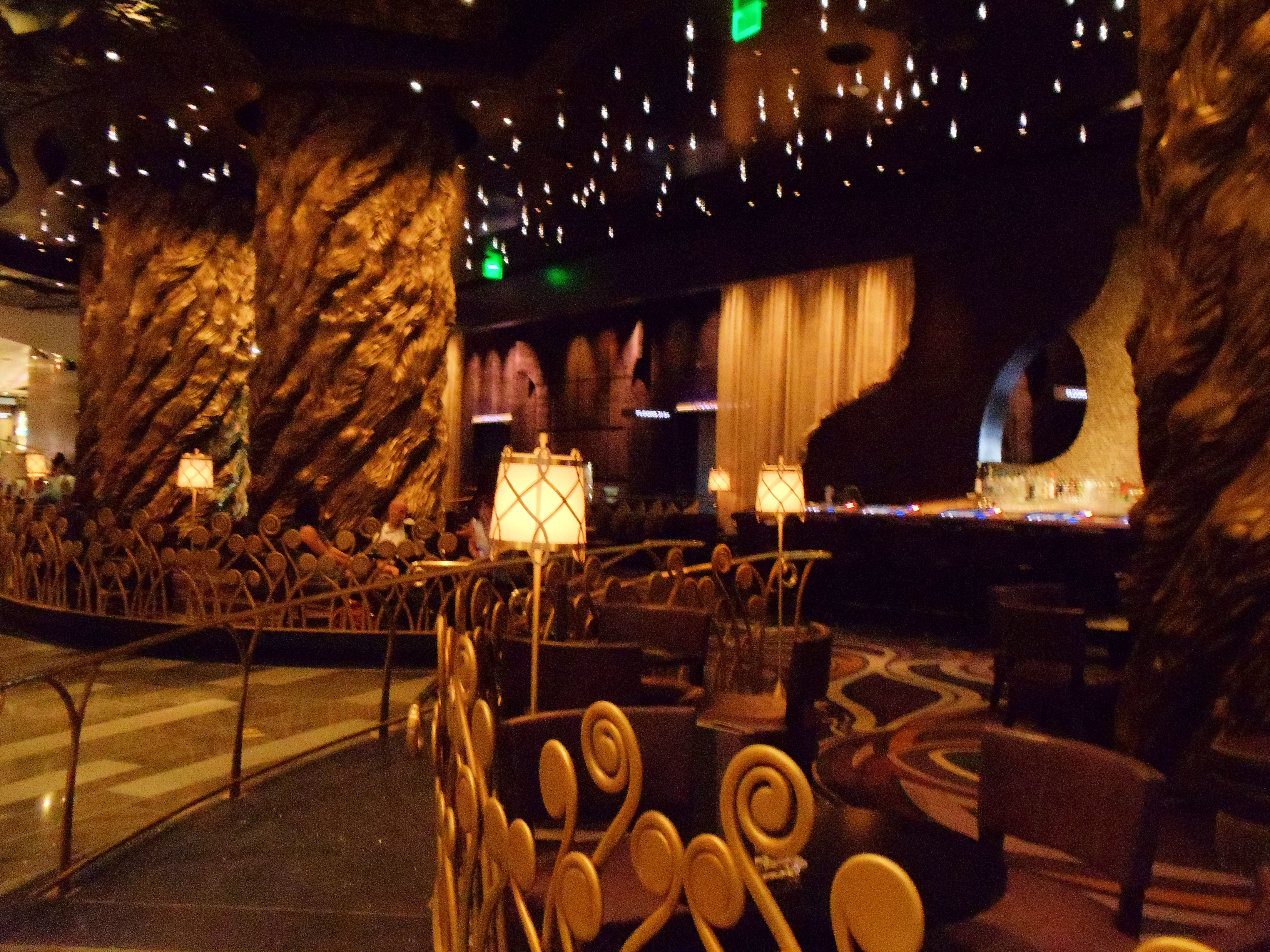 Las Vegas Bars With Good Food