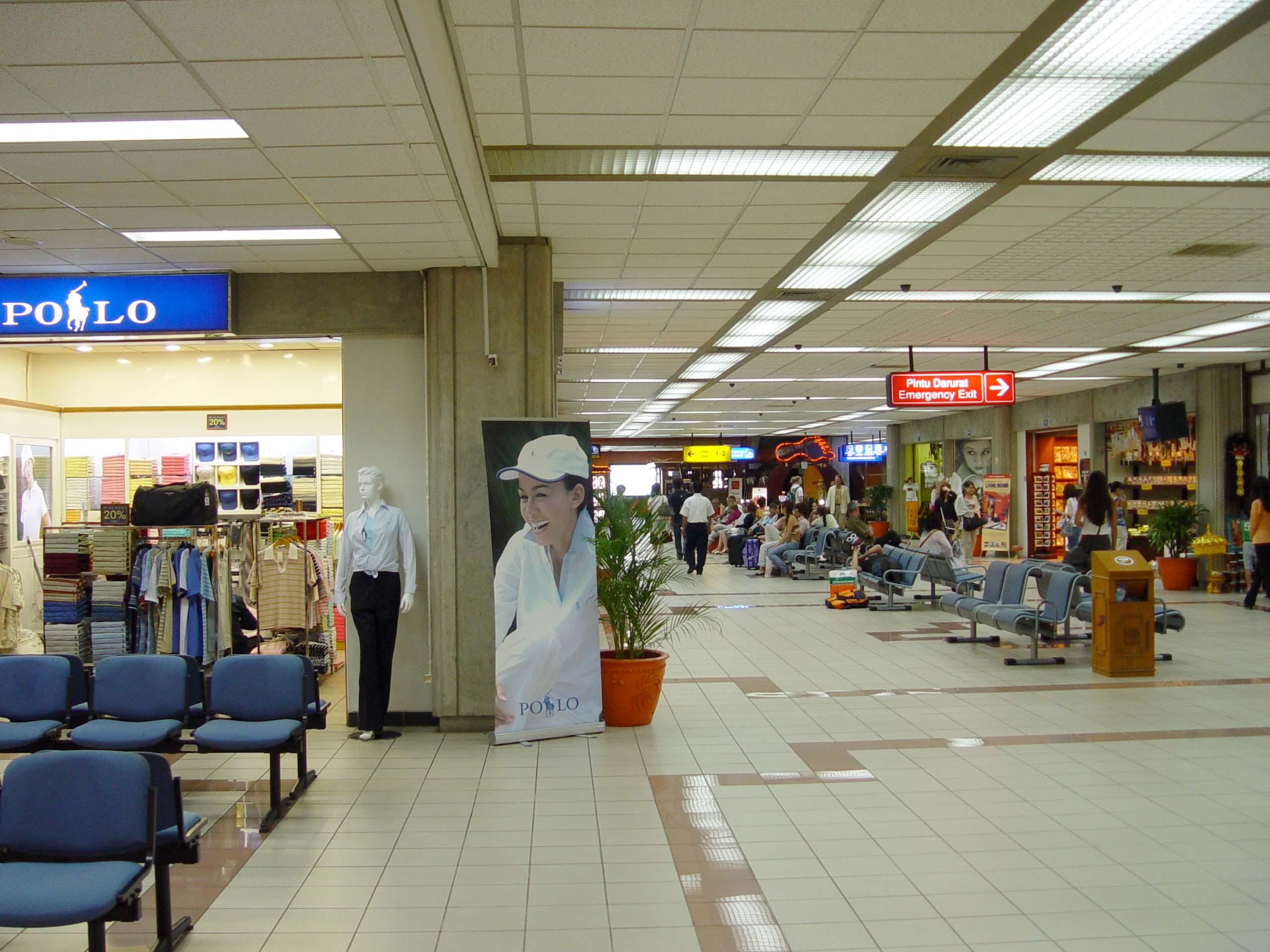 Aeroporto Denpasar : File denpasar airport g wikipedia