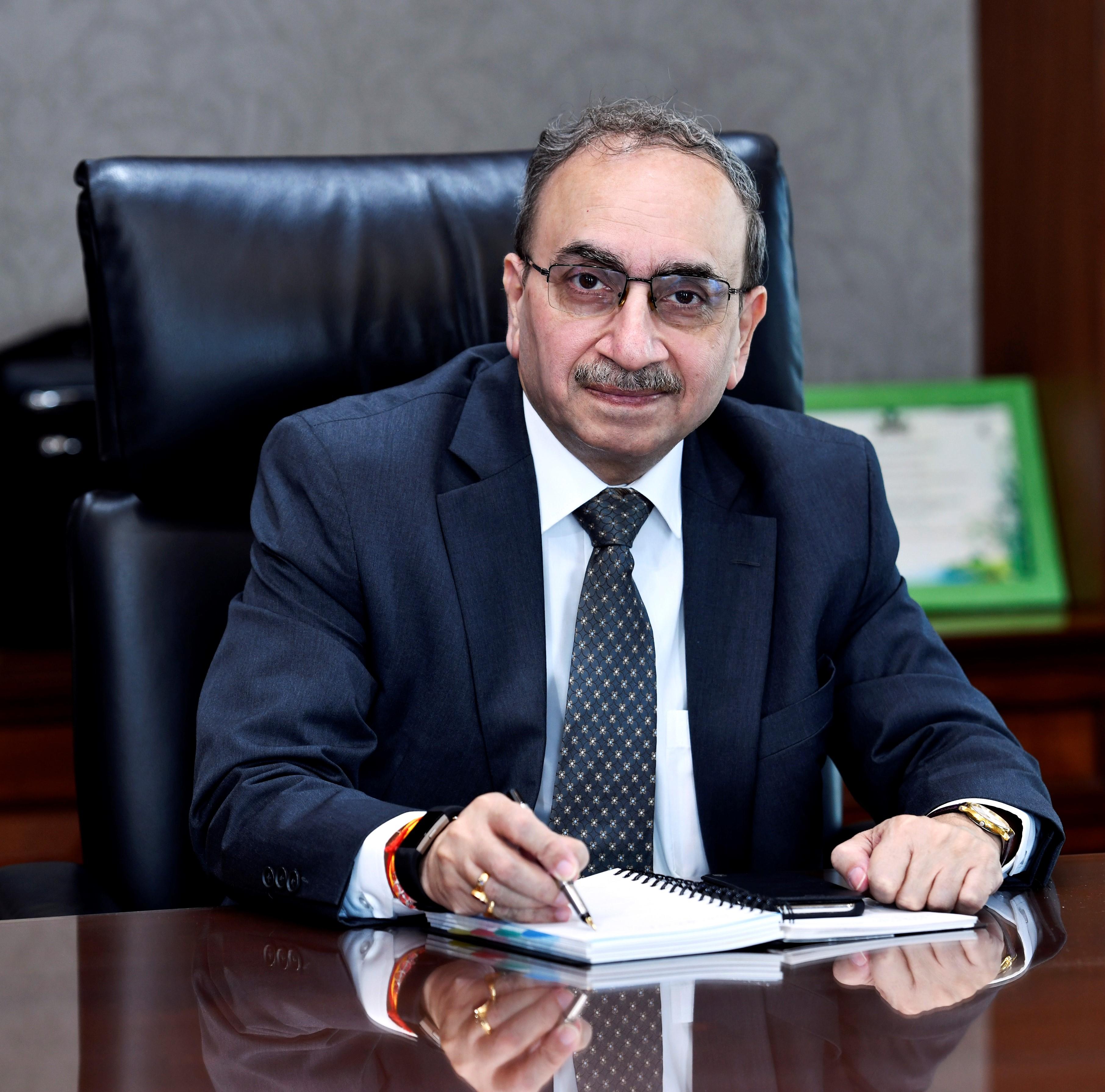 CEO of SBI is Dinesh Kumar Khara