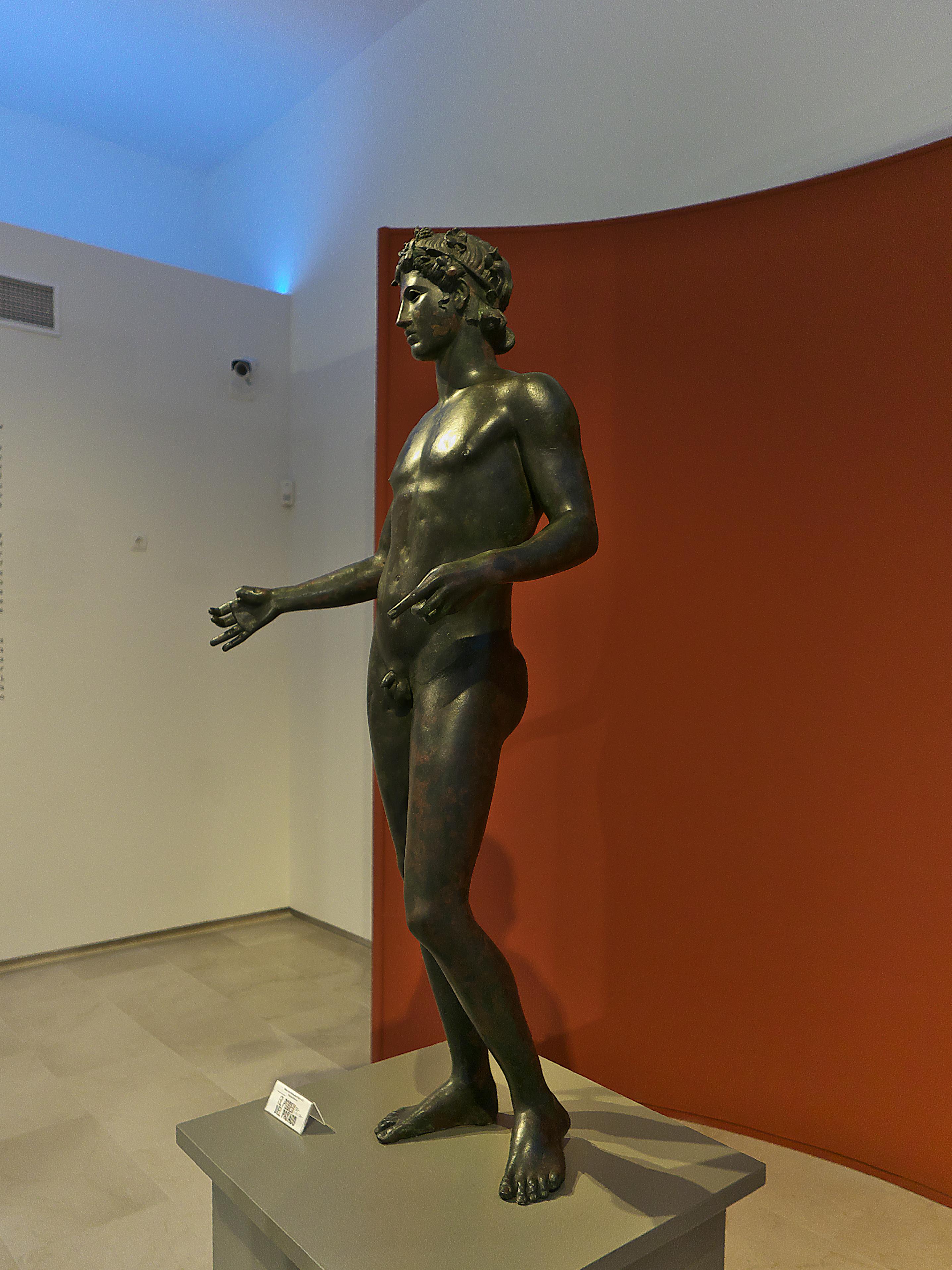 ver Escultura Efebo de Antequera viaje tour organizado