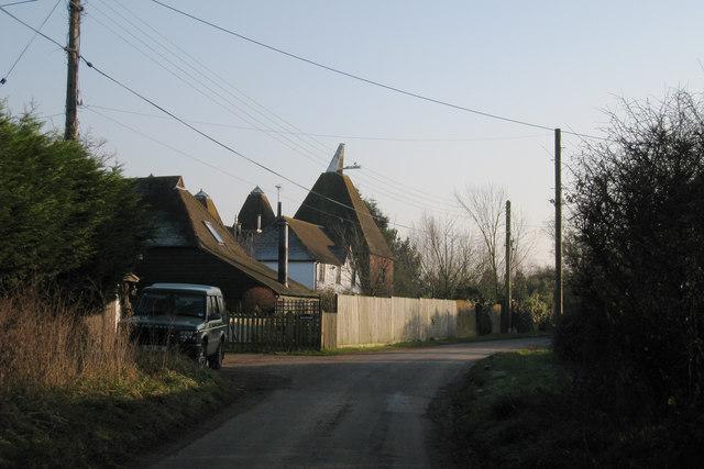 File farrows oast ivens oast new house lane headcorn for The headcorn minimalist house kent