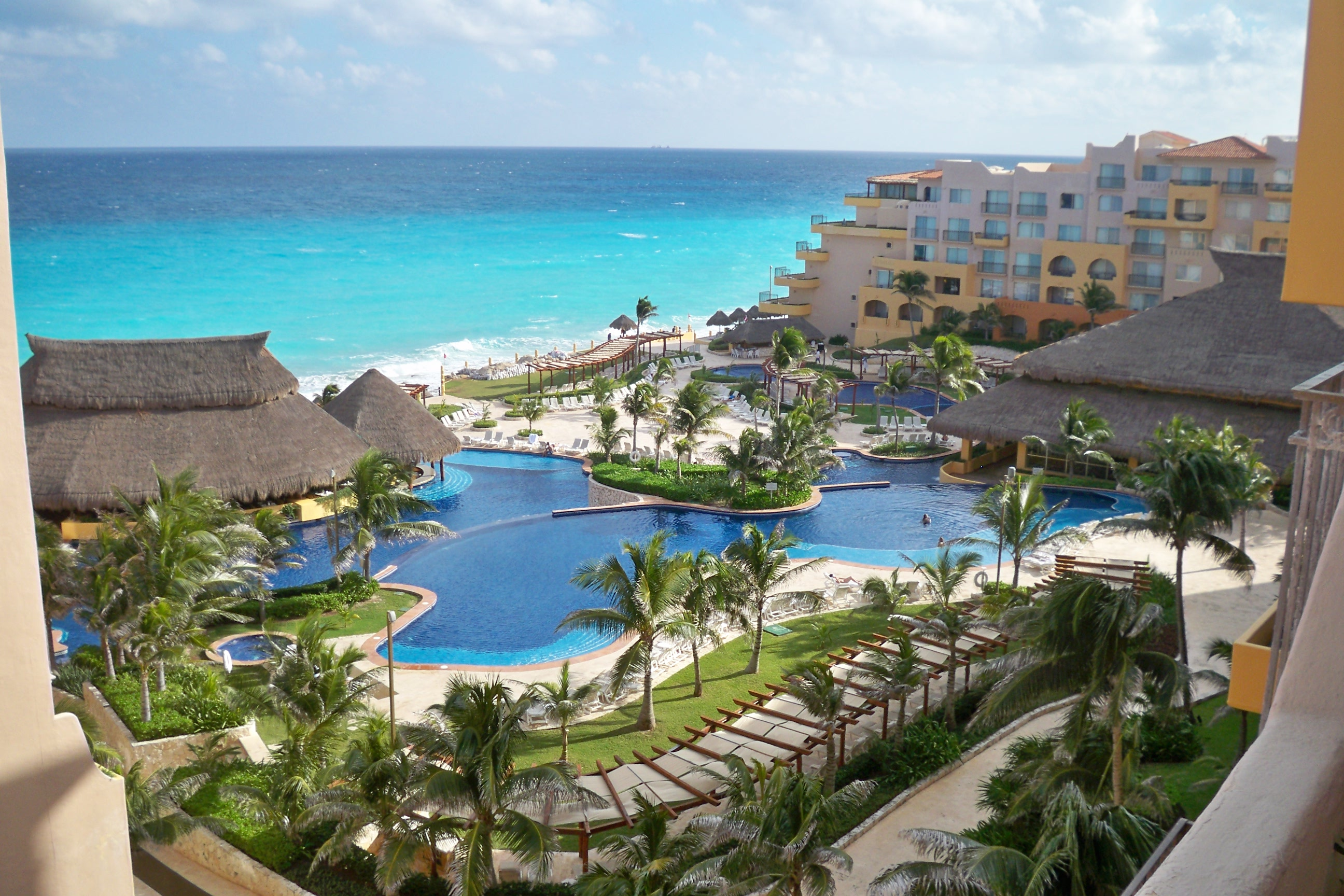 Cancun Hotel With Pool In Room