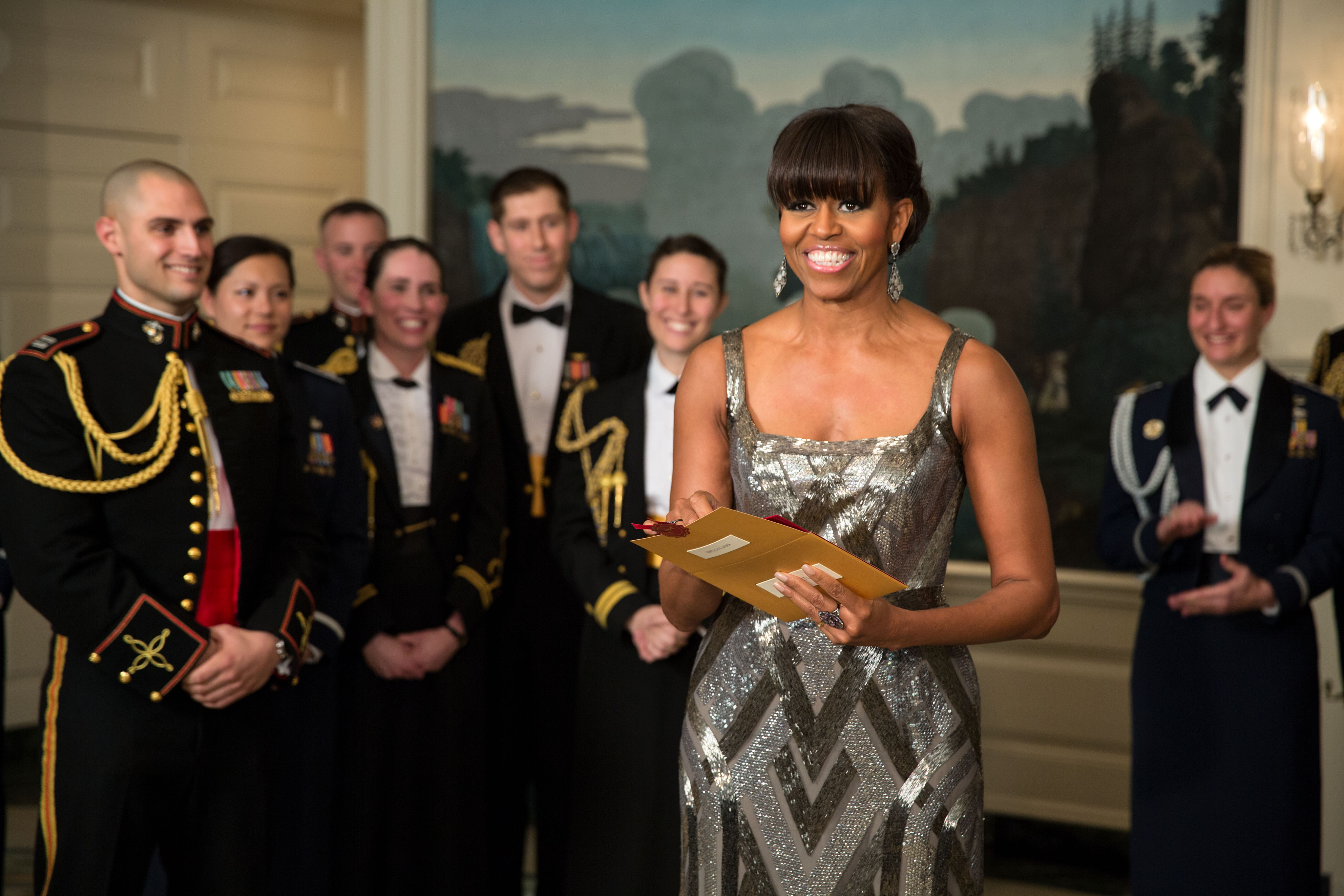 first-lady-michelle-obama-announces-the-best-picture-oscar-to-ar