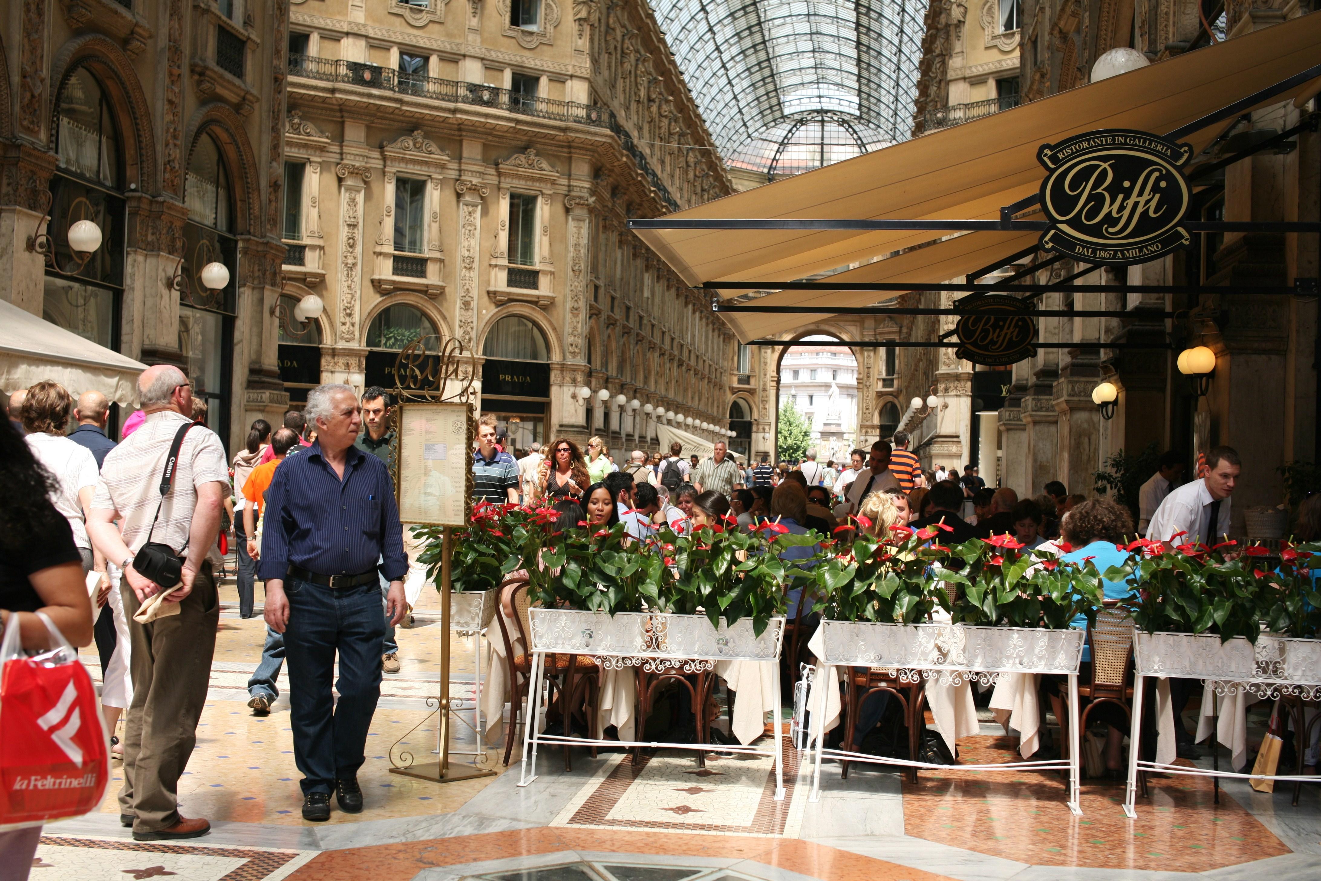 File:Galleria Vittorio Emanuele II (Milan) E7.jpg ...
