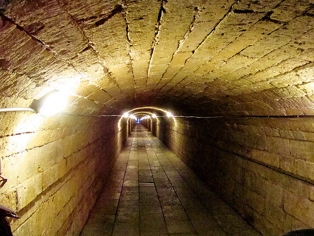 File:Gatchina palace. Secret Tunnel.jpg