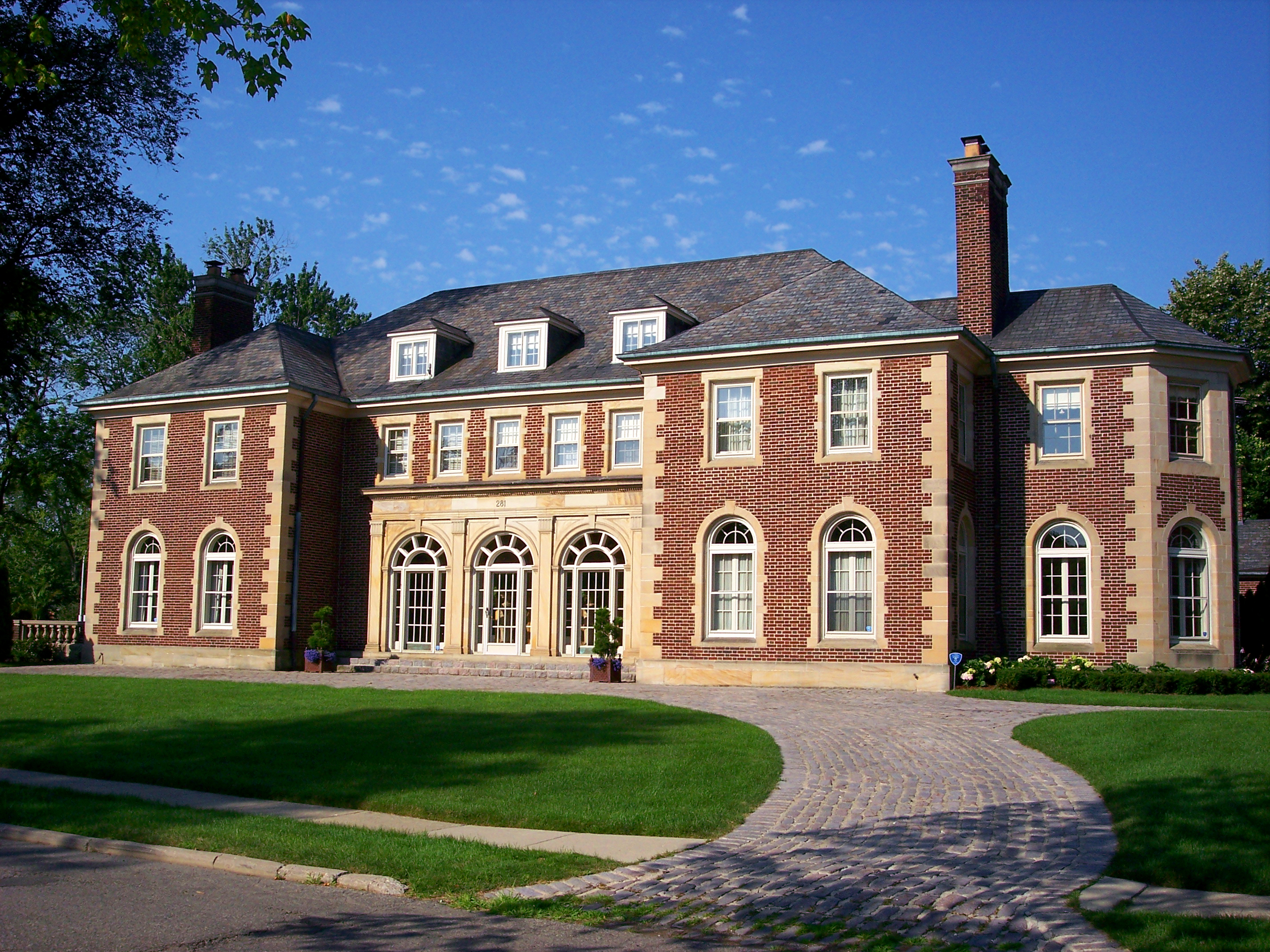 File:GrossePointeMansion.jpg - Wikimedia Commons