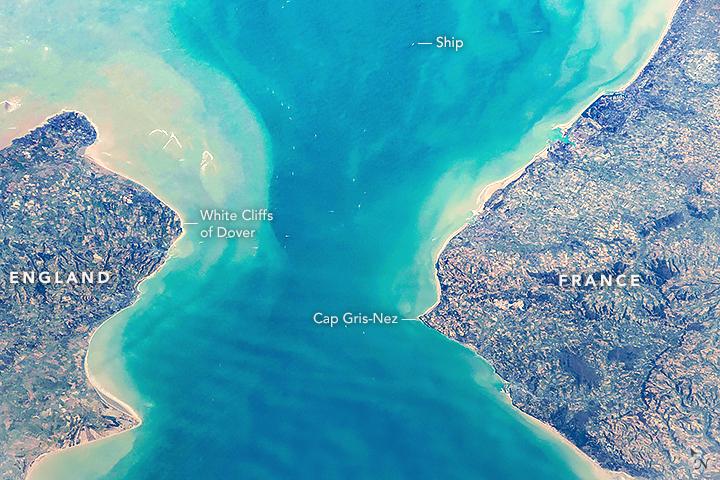 File:ISS054-E-53958 (Strait of Dover).jpg