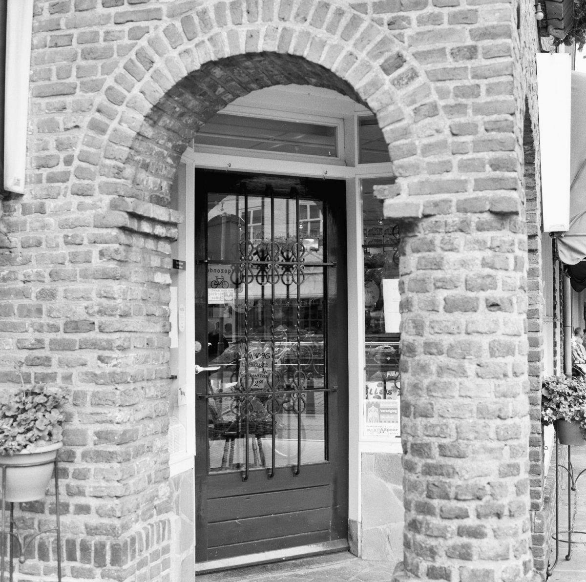 Huis 39 de reizende man 39 met trapgevel in oirschot monument - Huis ingang ...