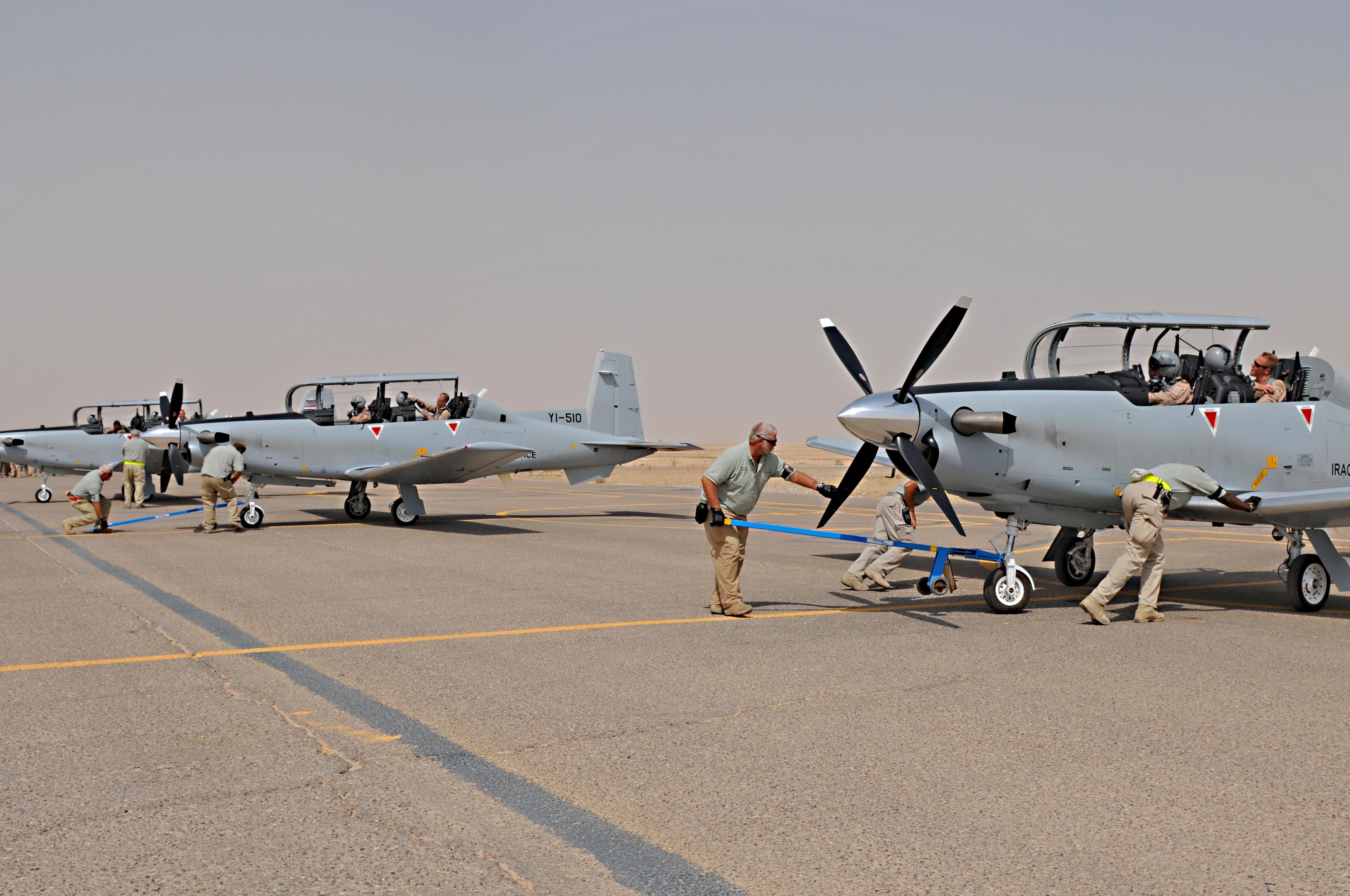 كيف اعاد العراق تكوين طياريه المقاتلين بعد غزو العام 2003 ؟ Iraqi_Air_Force_Increases_T-6A_Inventory_DVIDS321764