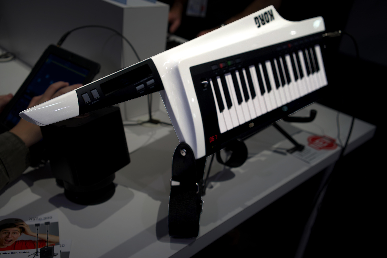 File:KORG RK-100S keytar - angled left - 2014 NAMM Show (by
