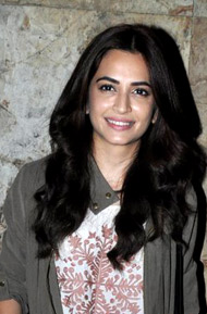 Kriti Kharbanda at special screening of Raaz Reboot (01).jpg