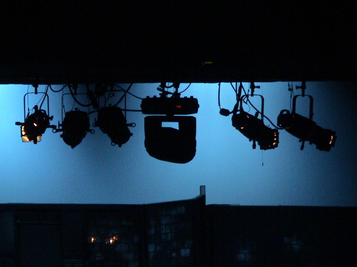 Filelighting Truss 1 Wikimedia Commons Stage Lighting Wiring