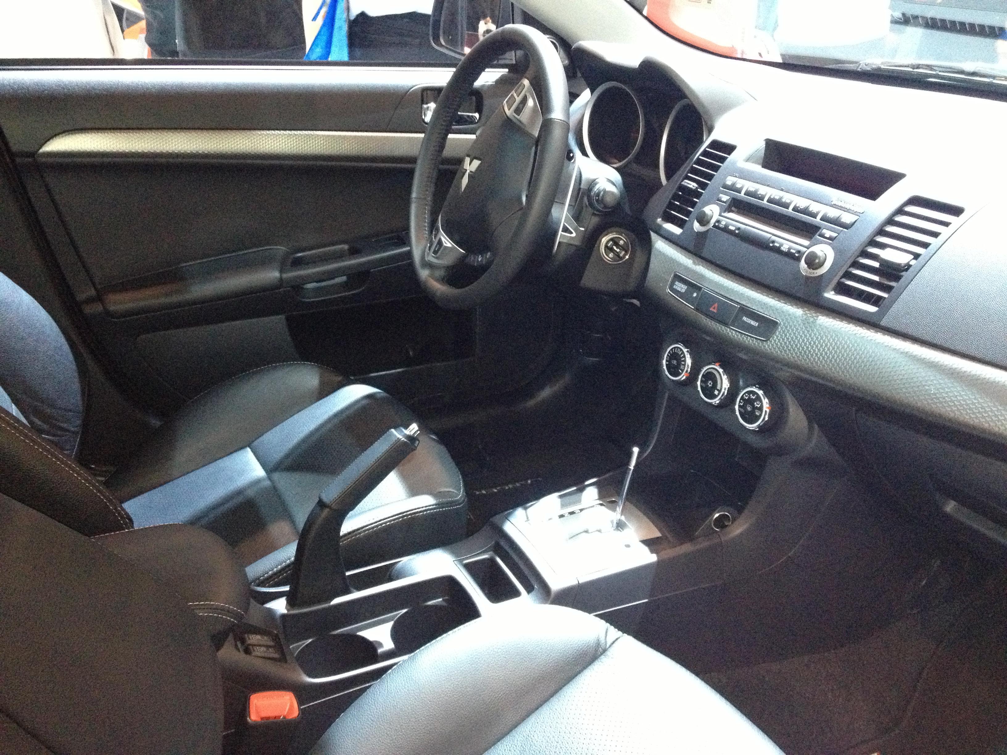 filemitsubishi lancer interiorjpg - Mitsubishi Evo Interior 2013