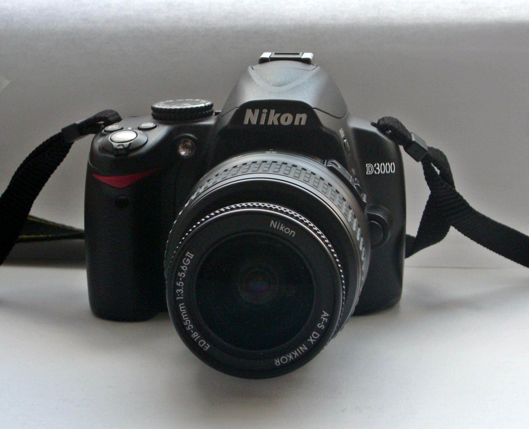 Zoom Nikon D3000 Nikon D3000 With Lens 18-55mm