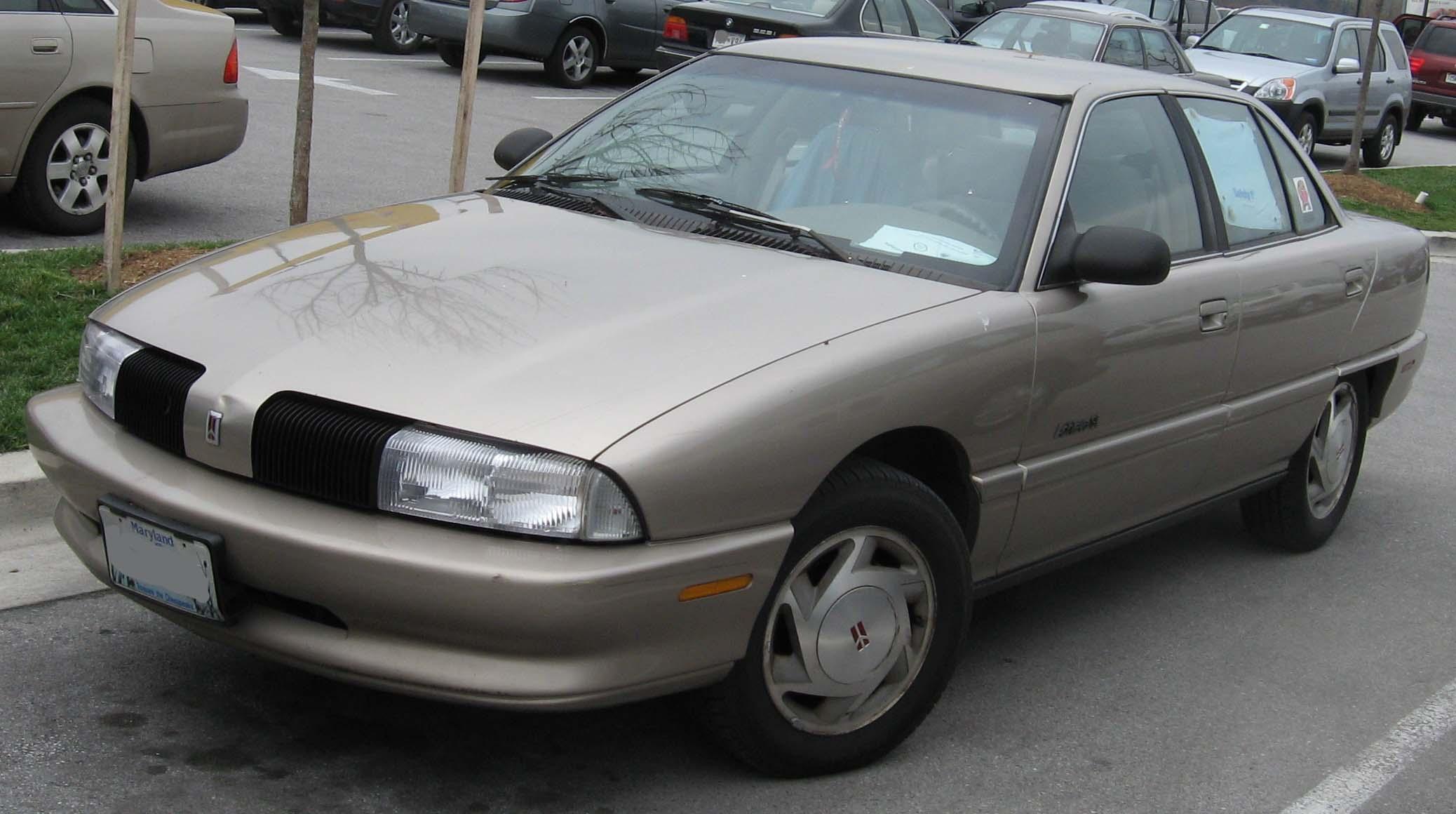 Fitxer:Oldsmobile Achieva sedan.jpg - Viquipèdia