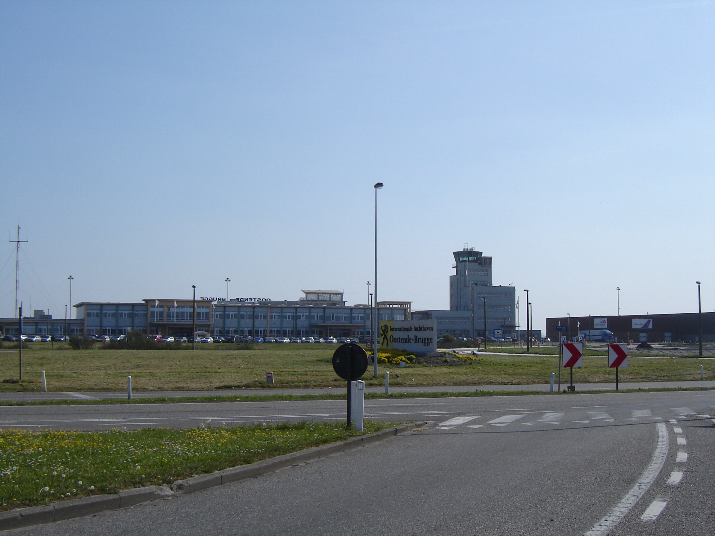 Airport Oostende Bruges (Ostend-Bruges International Airport). Official sayt.2