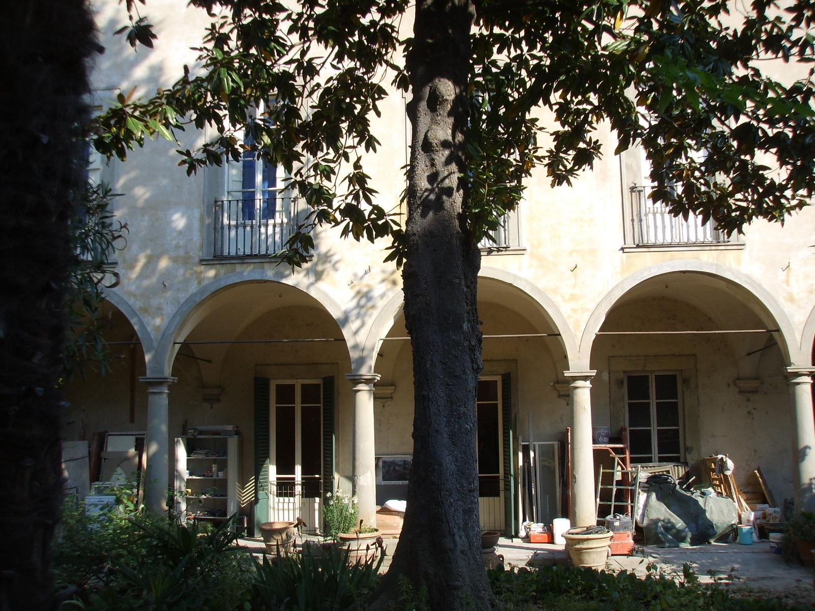 Palazzo_Roffia_giardino_05.JPG