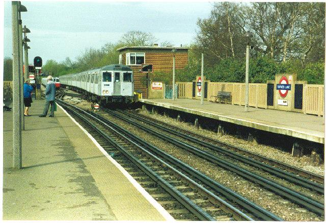 Rayner's Lane Station. - geograph.org.uk - 39710