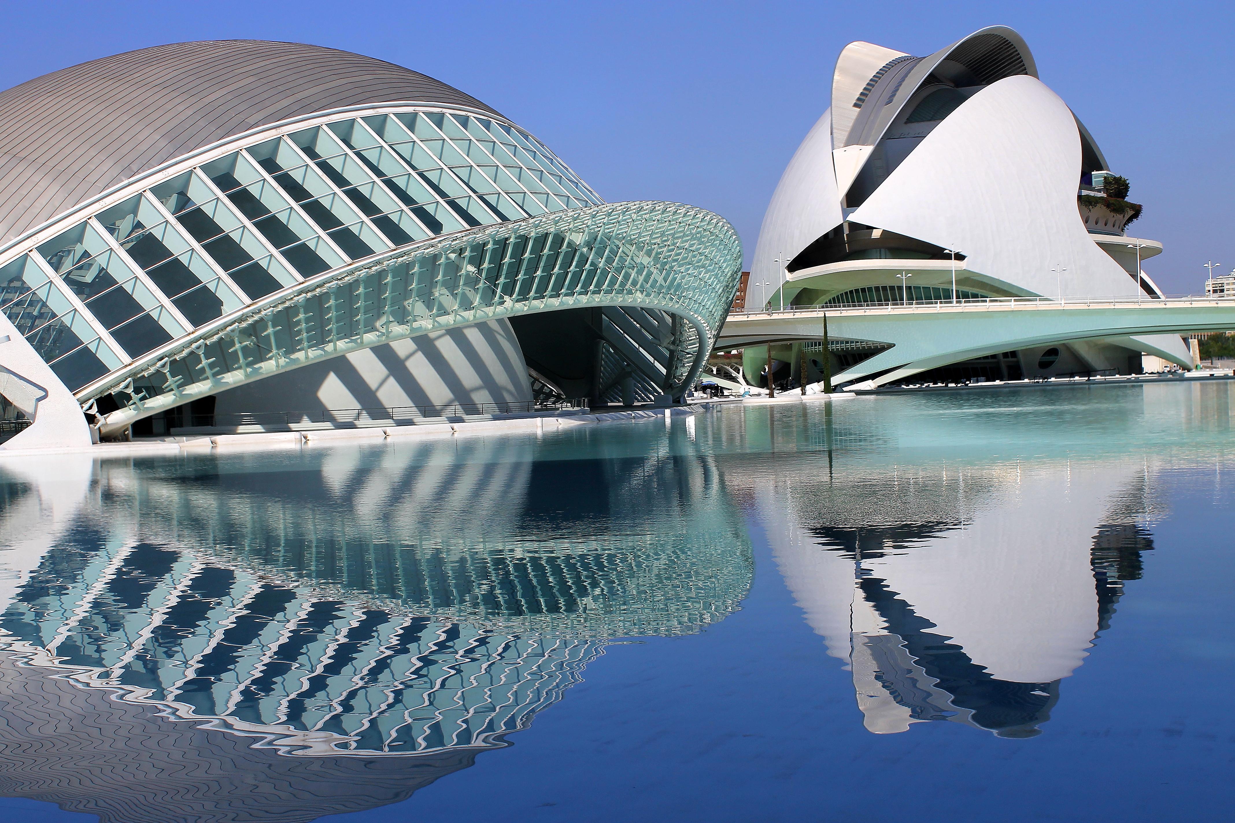File Reflejos En La Ciudad De Las Artes Y Ciencias Valencia Jpg Wikimedia Commons