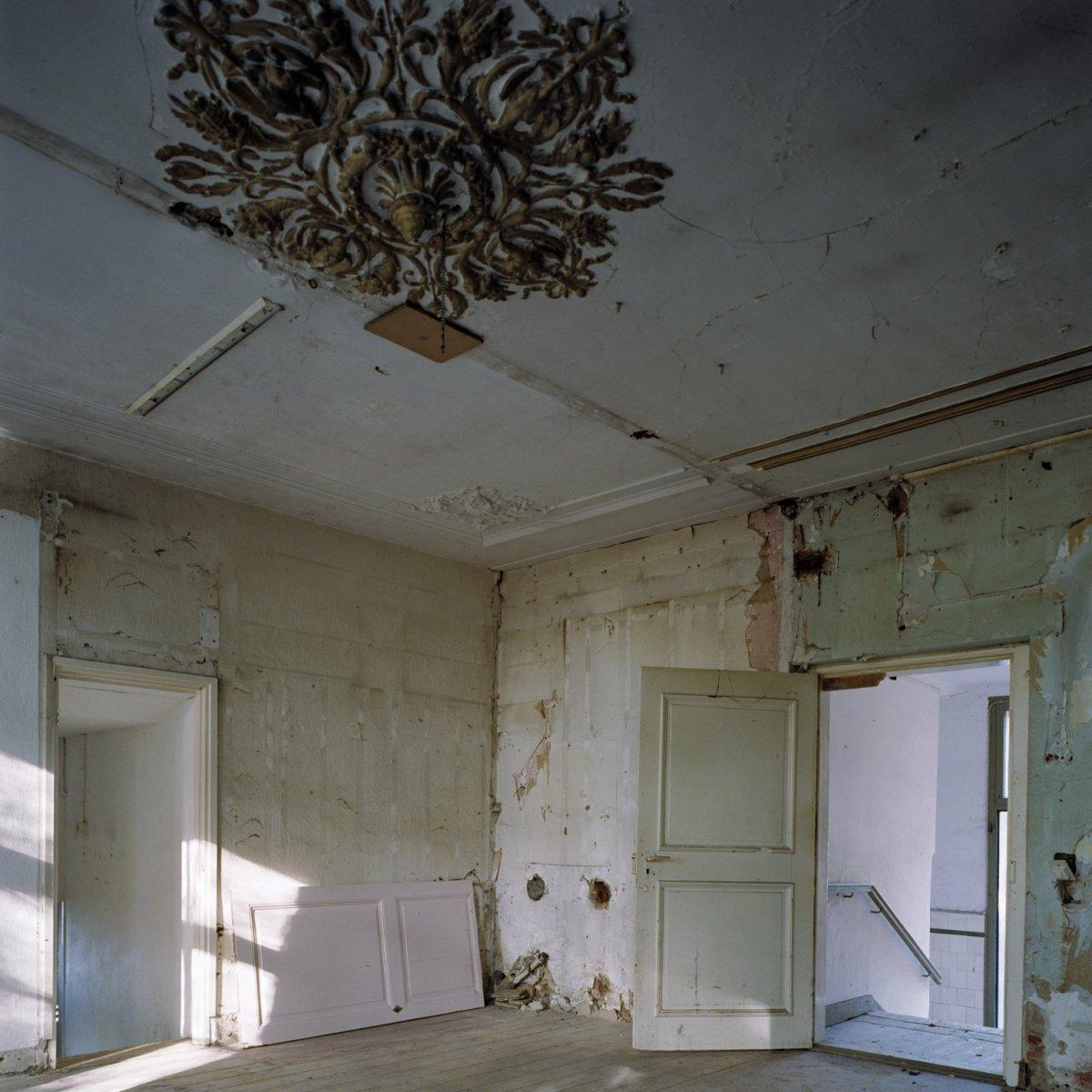 File:Slaapkamer met ornament aan het plafond - Beesel - 20379316 ...
