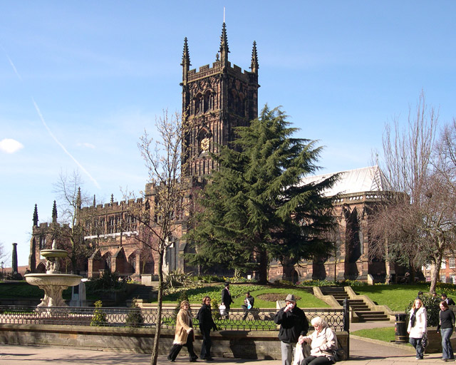 File:St. Peter's Collegiate Church, Wolverhampton - geograph.org.uk - 374475.jpg