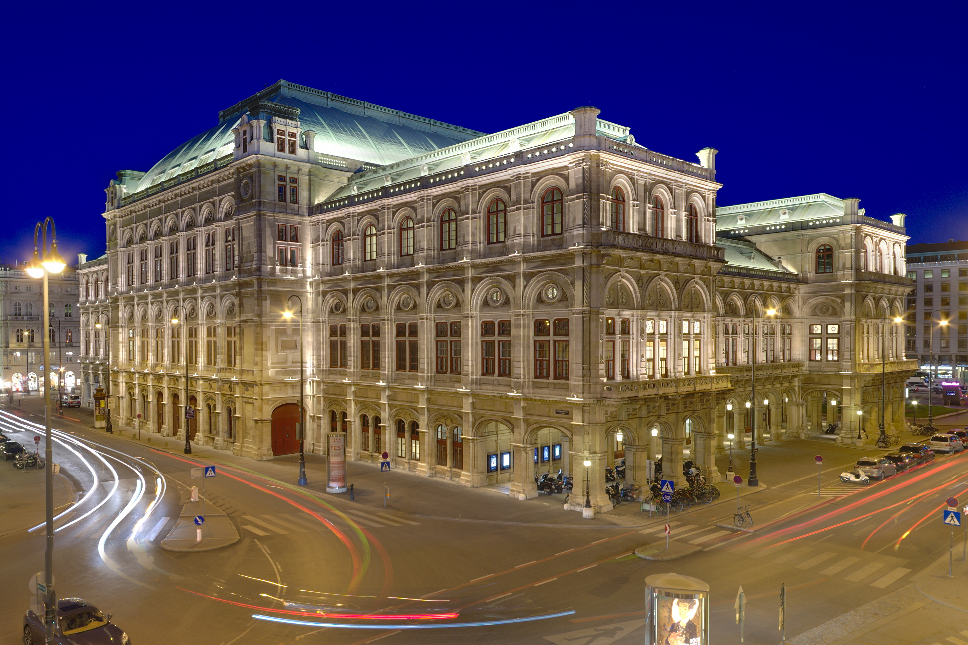 File:State Opera House Vienna, Austria.jpg - Wikimedia Commons