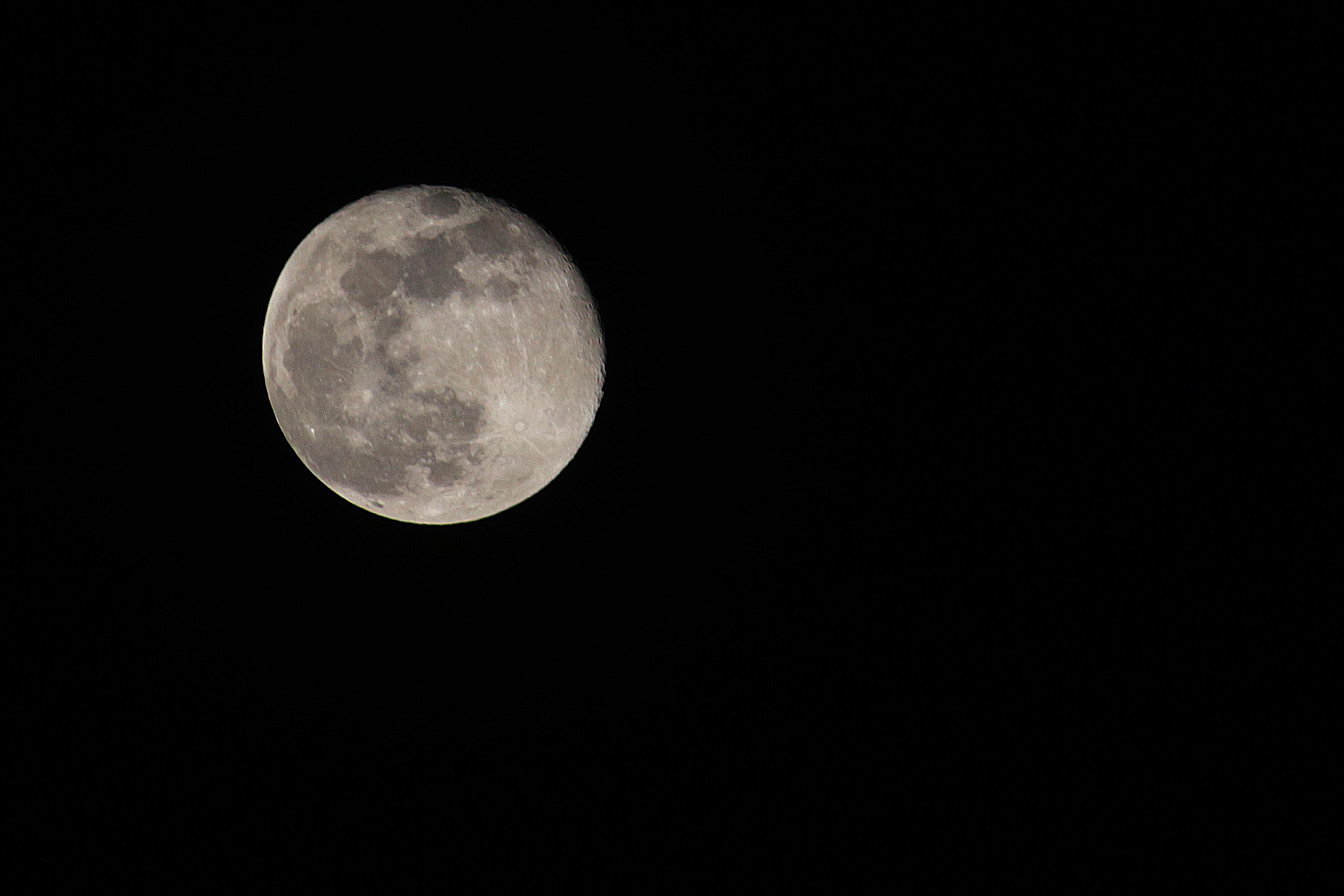 Mond einen Tag nach Supermond