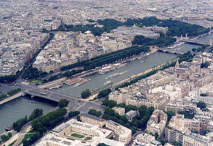படிமம்:The Seine as seen from the Eiffel Tower, June 2002.jpg