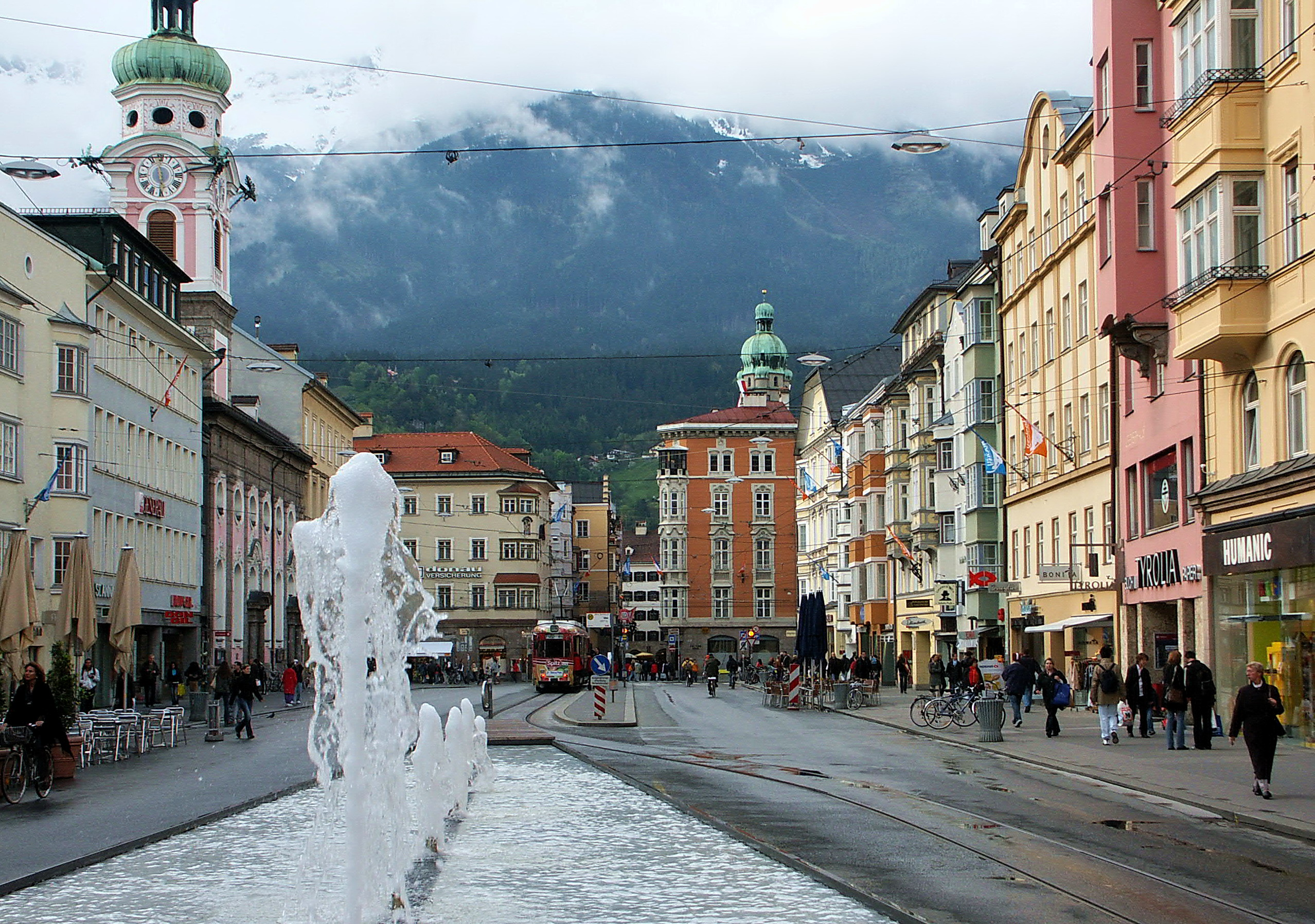 datei town square innsbruck wikipedia. Black Bedroom Furniture Sets. Home Design Ideas