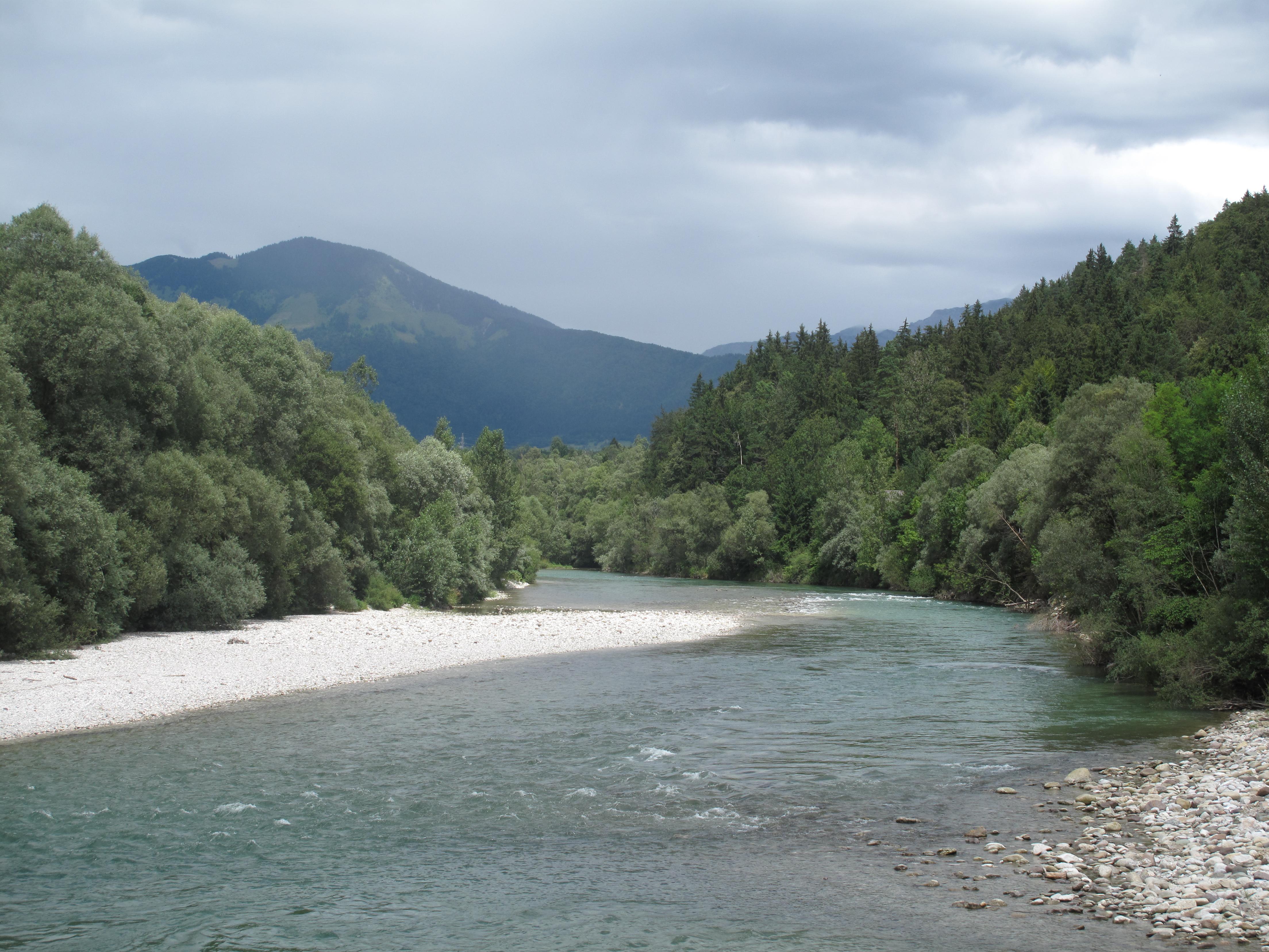 File:tussen gobovce en podnart, rivier foto2 2011-07-20 13.14