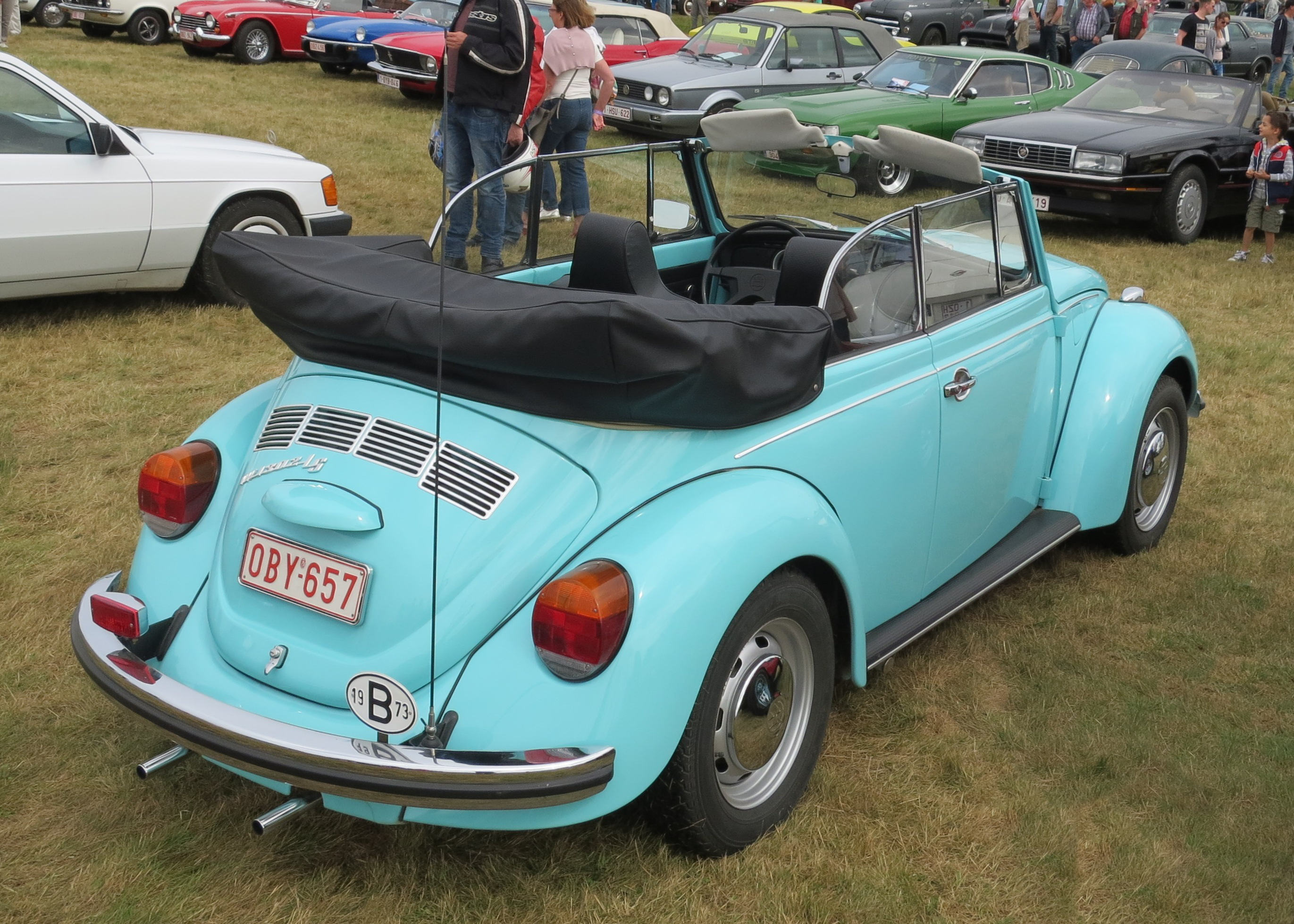 File:VW 1302 LS cabriolet from slightly above average height.JPG