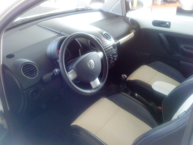 File Vw Newbeetle 10 Aniv 2008 Interior Jpg Wikimedia Commons