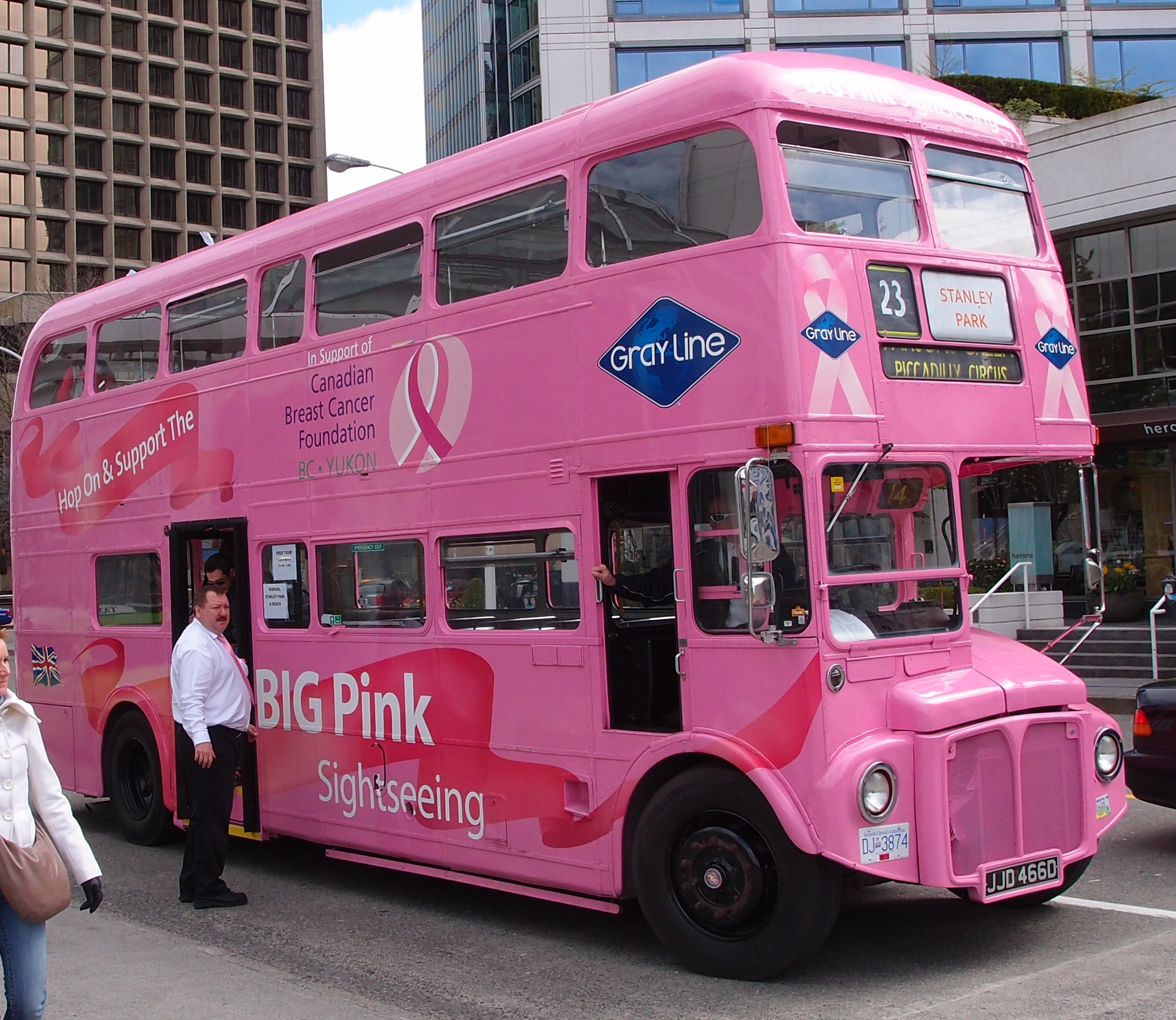 File:vancouver Pink Bus Tours Routemaster Bus Rml2466 (dj 3874, Ex