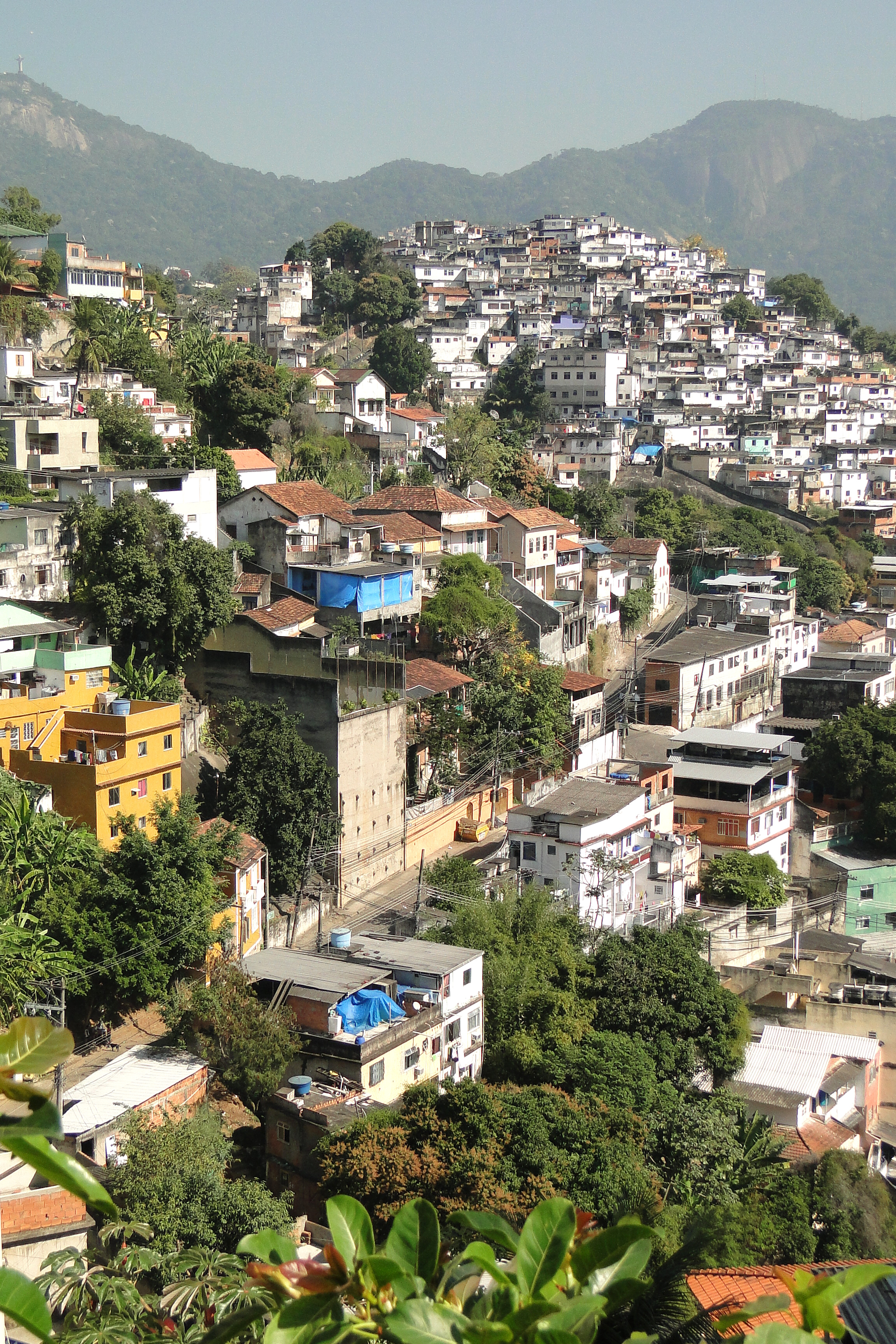 file view over favela santa teresa district rio de janeiro wikimedia commons. Black Bedroom Furniture Sets. Home Design Ideas
