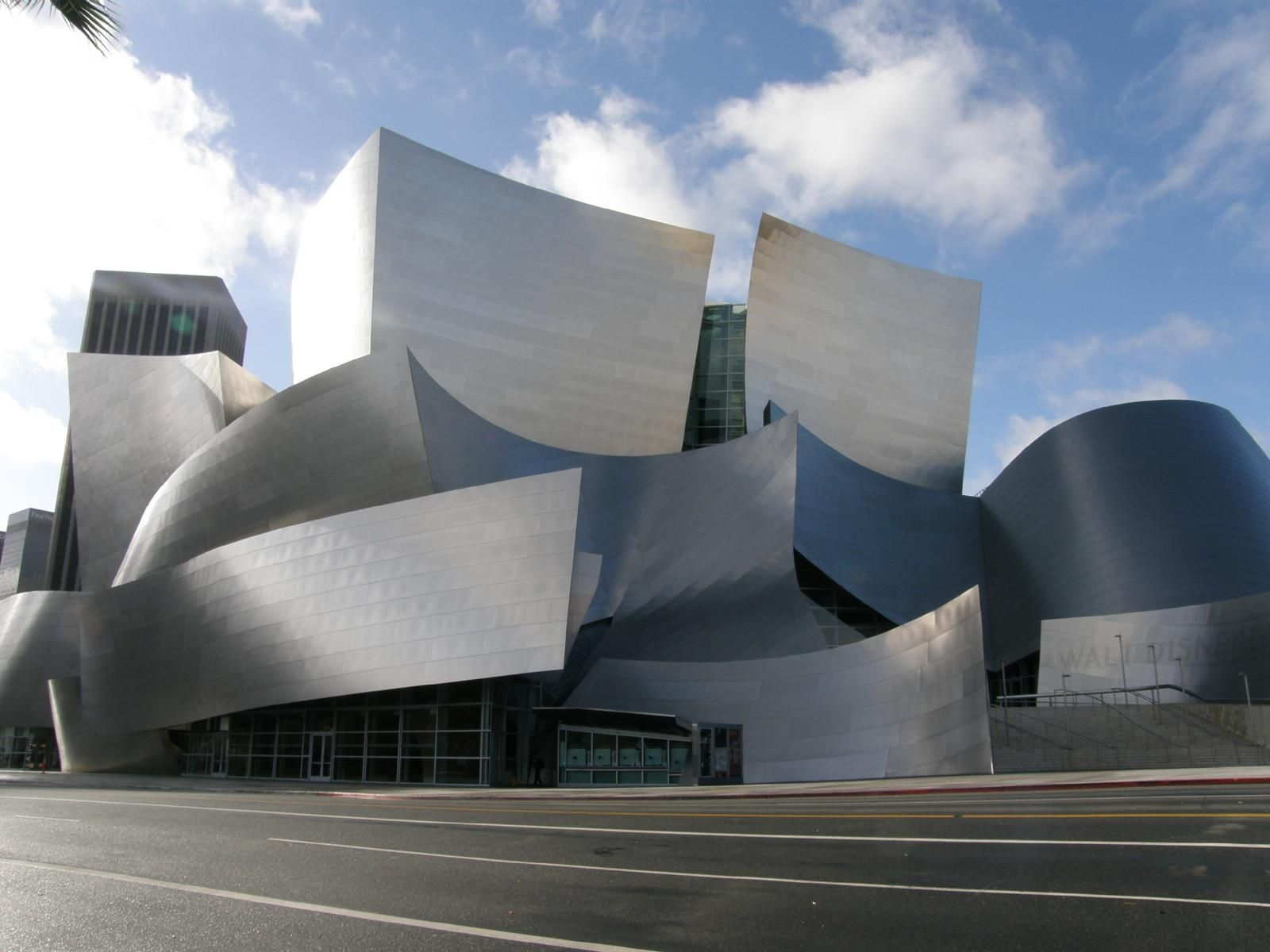 File:Walt Disney Concert Hall Across Grand.jpg - Wikimedia ...