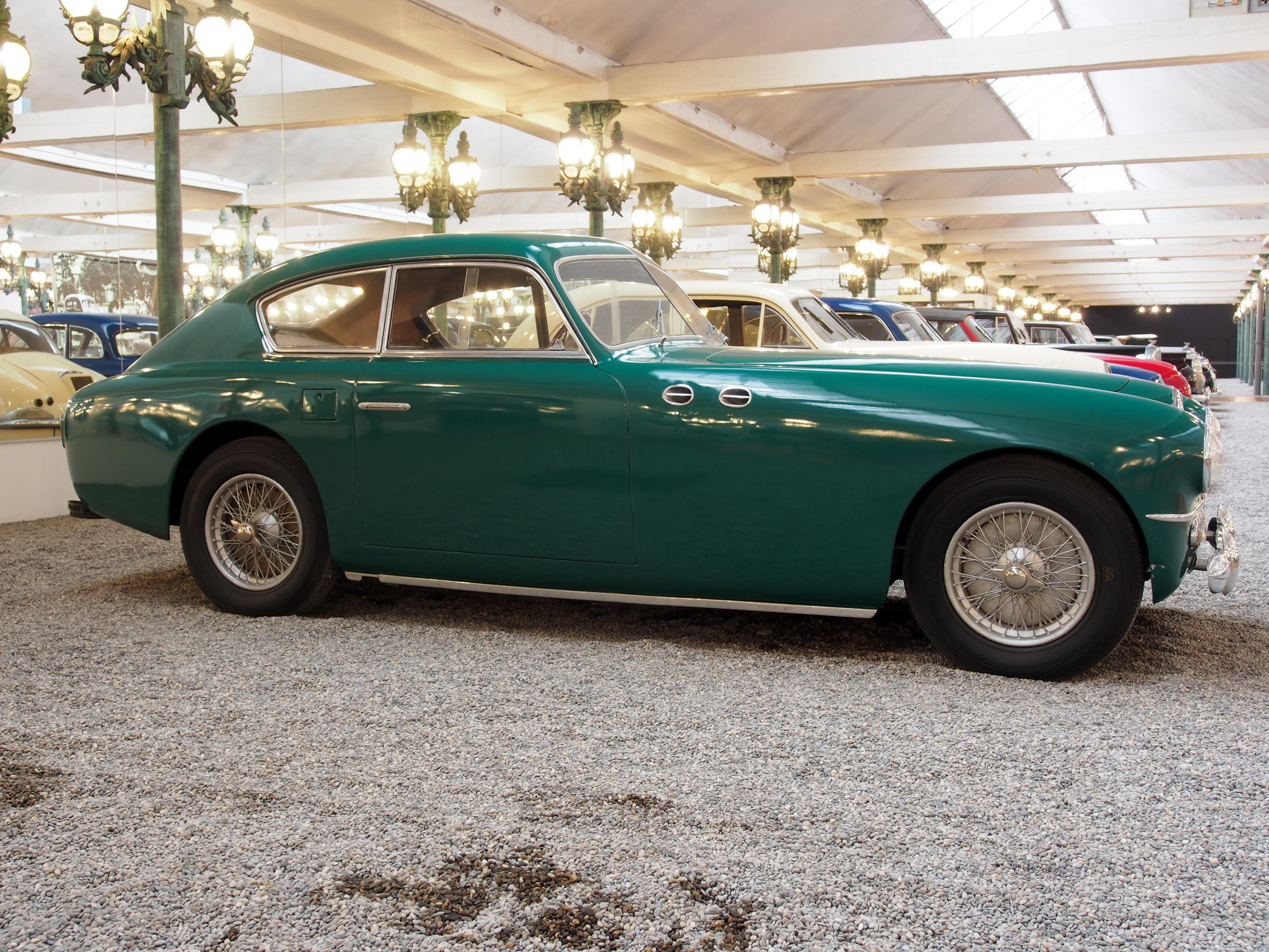 File:1951 Bugatti Type 57SC Ghia, photo 5.JPG - Wikimedia Commons