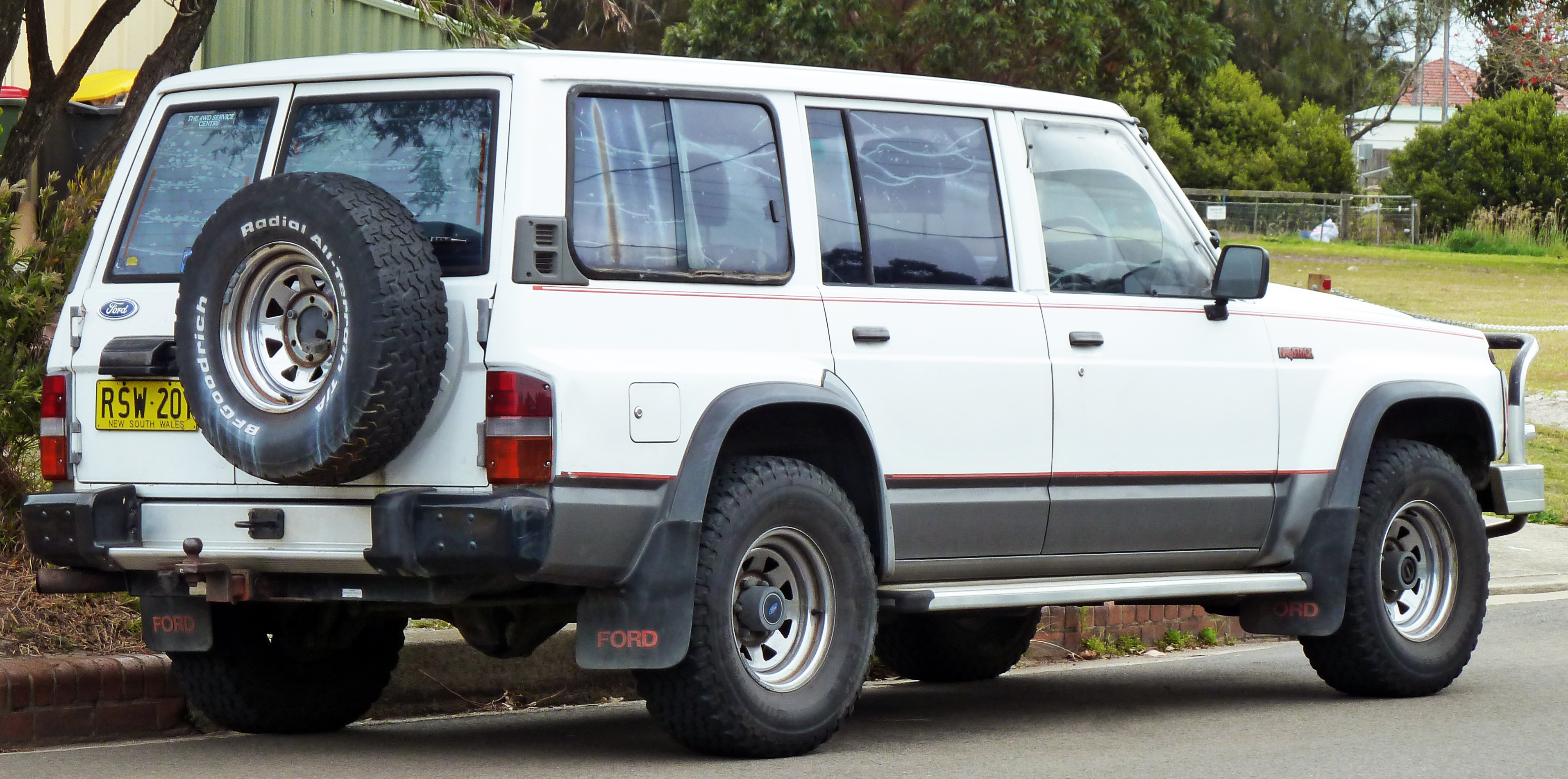File:1988-1994 Ford Maverick wagon 03.jpg