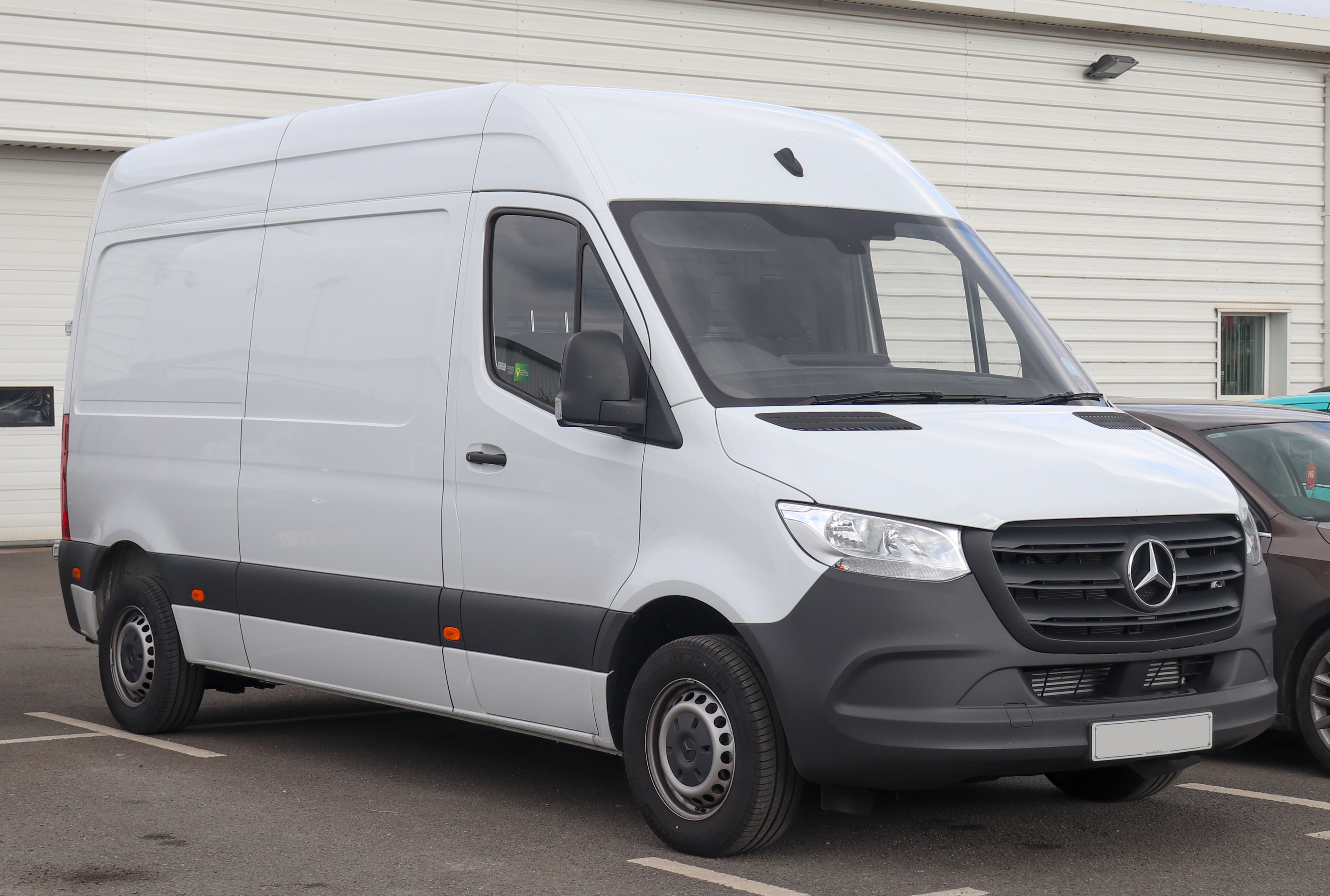 Mercedes Rv Van >> Mercedes Benz Sprinter Wikipedia