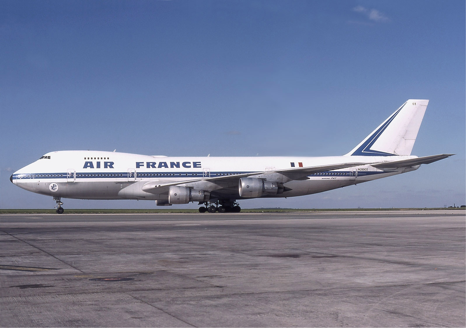 File air france boeing 747 100 wikimedia for Interieur 747 air france
