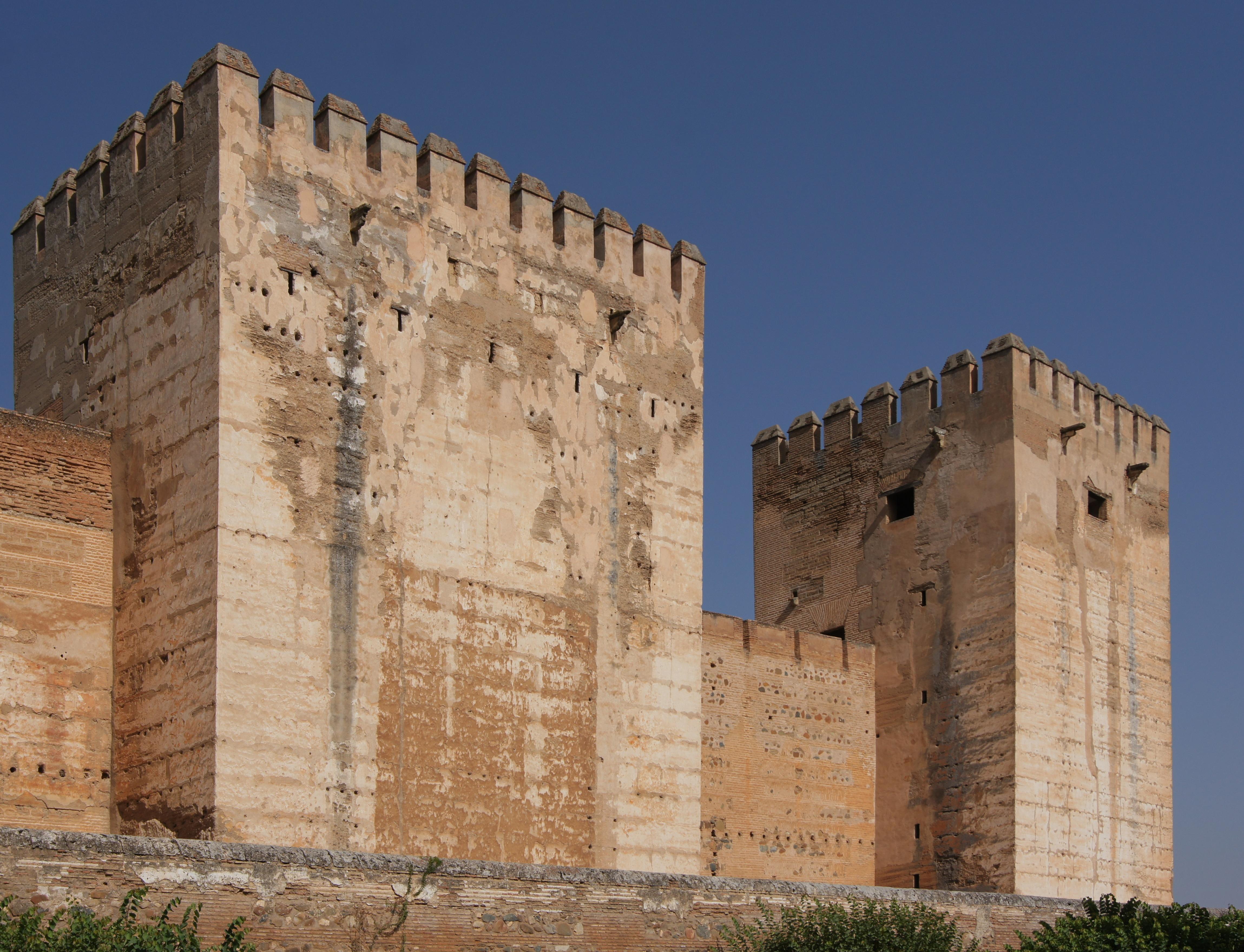 File:Alhambra alcazaba tours.jpg - Wikimedia Commons