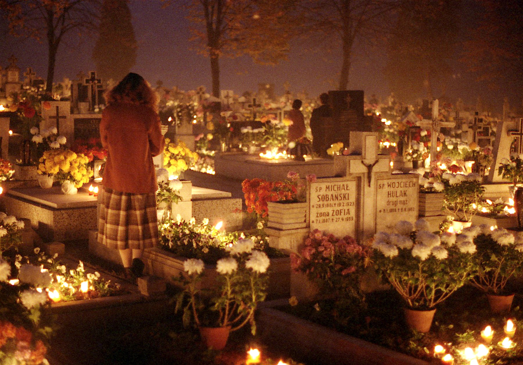 http://upload.wikimedia.org/wikipedia/commons/a/a2/All_Saints_Day,_1984,_Oswiecim,_Poland_Img871.jpg