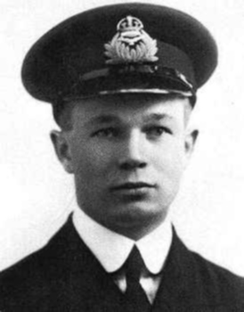 Arthur Roy Brown, in naval uniform, as a Royal Naval Air Service lieutenant. Arthur Roy Brown from imperial war museum.jpg
