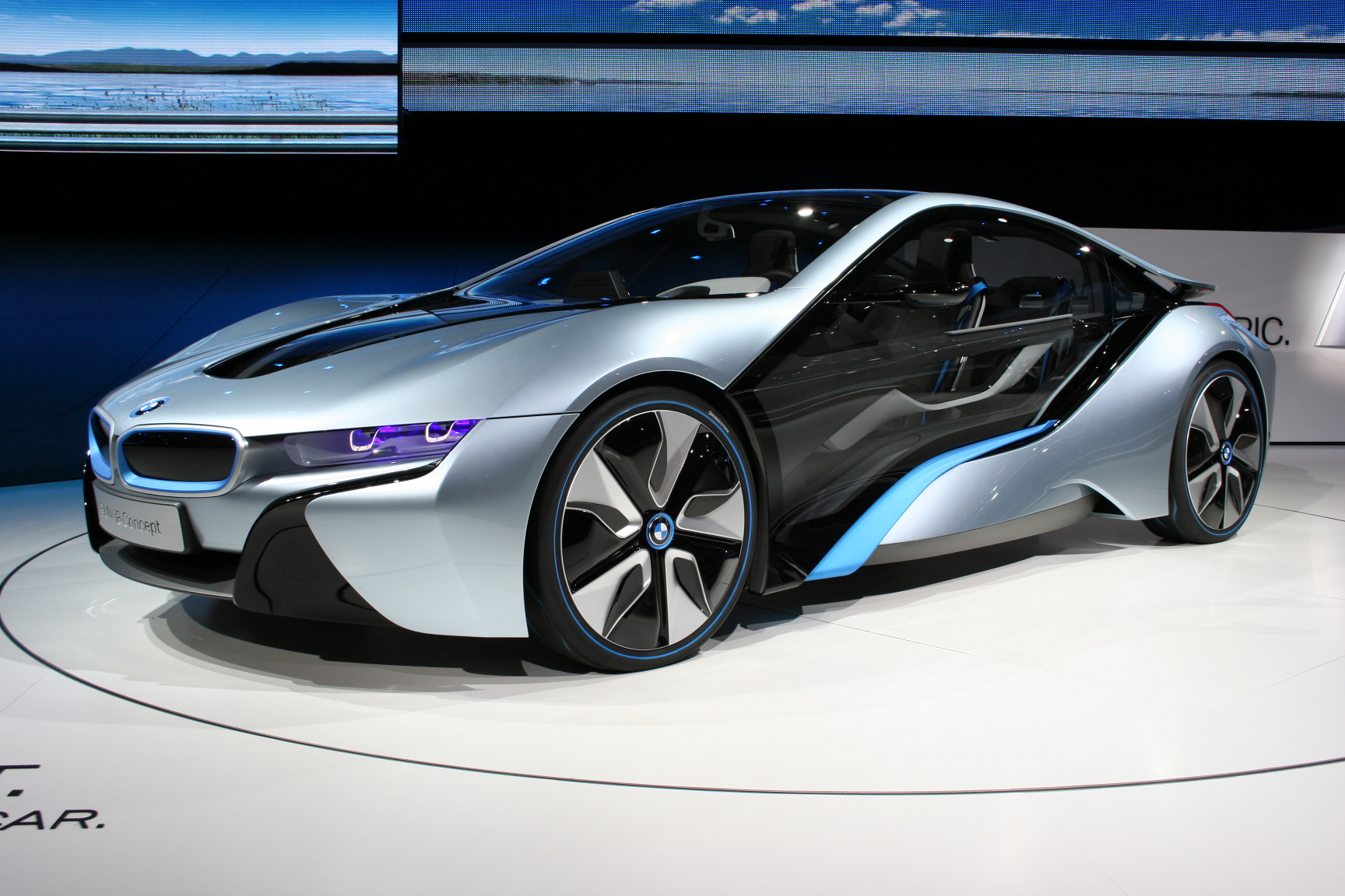File Bmw I8 Concept Iaa Jpg Wikimedia Commons