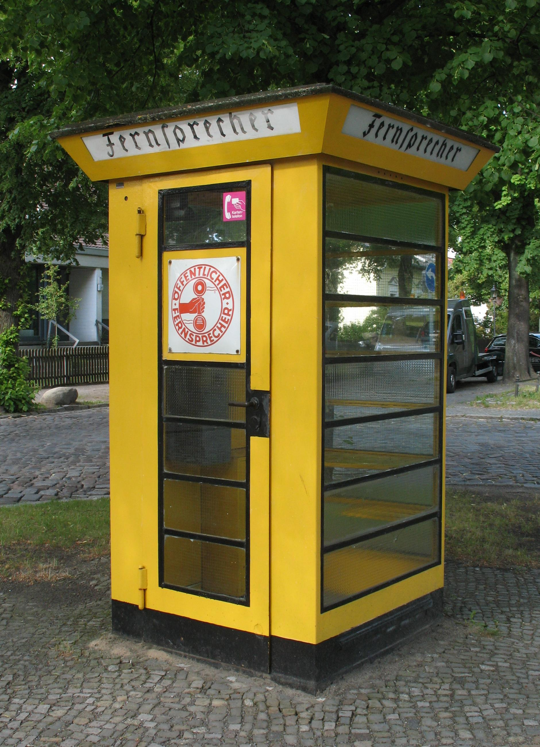Berlin Luebars telephone booth.jpg