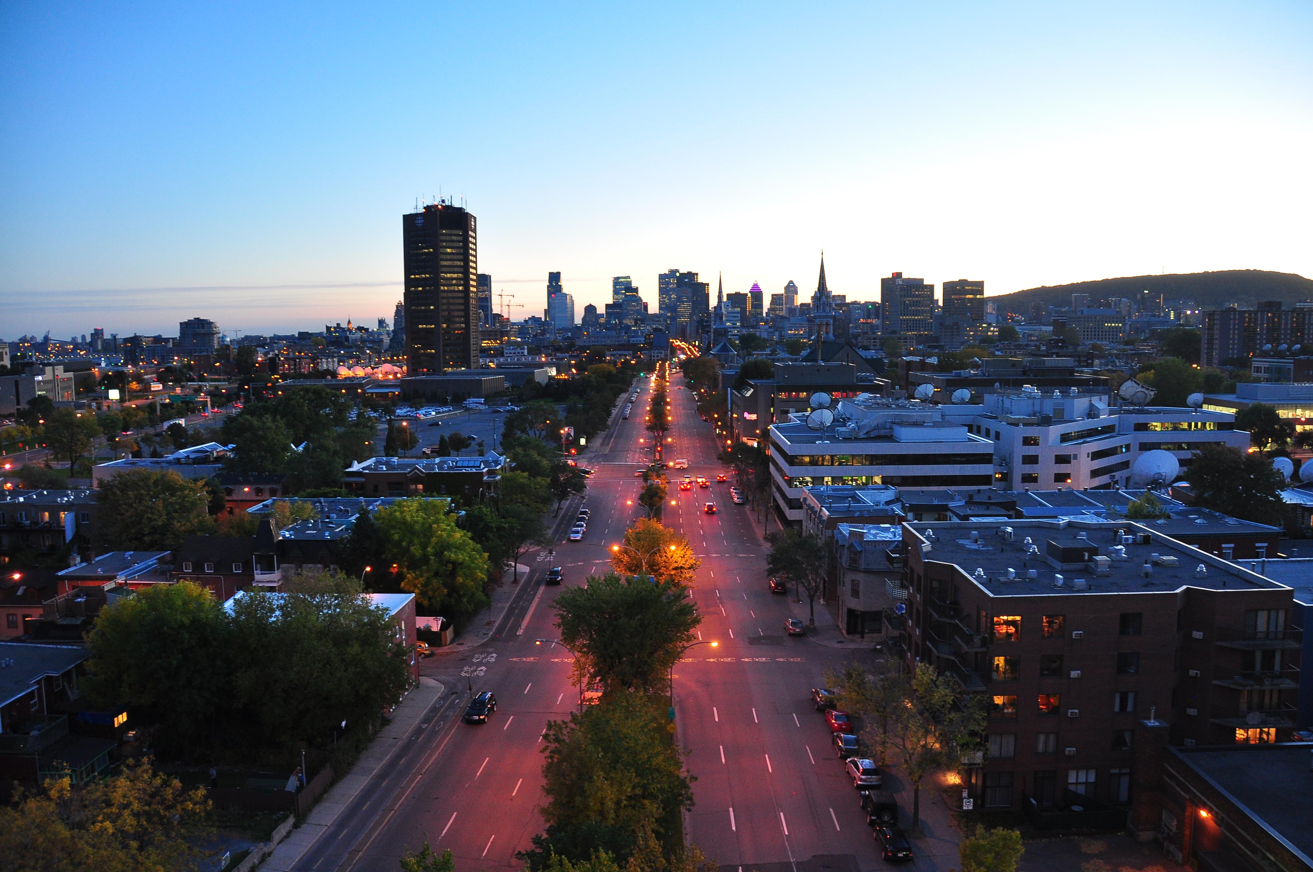 Description boulevard rené-lévesque est montréal canada