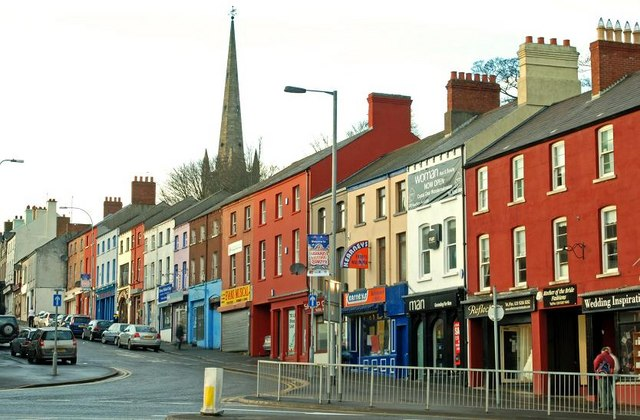 Description Bridge Street, Lisburn.jpg: commons.wikimedia.org/wiki/File:Bridge_Street,_Lisburn.jpg